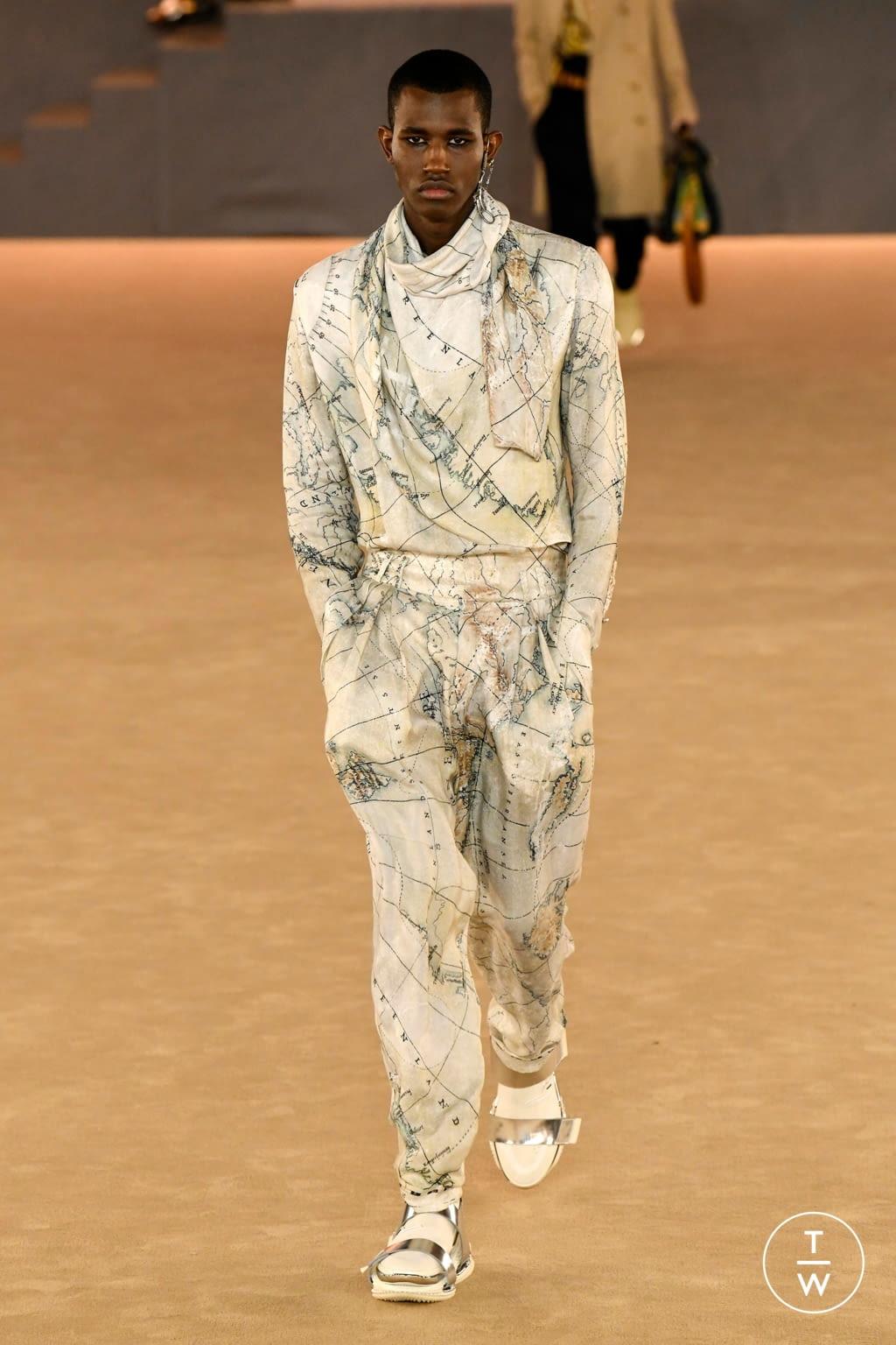 Fashion Week Paris Fall/Winter 2020 look 18 from the Balmain collection menswear