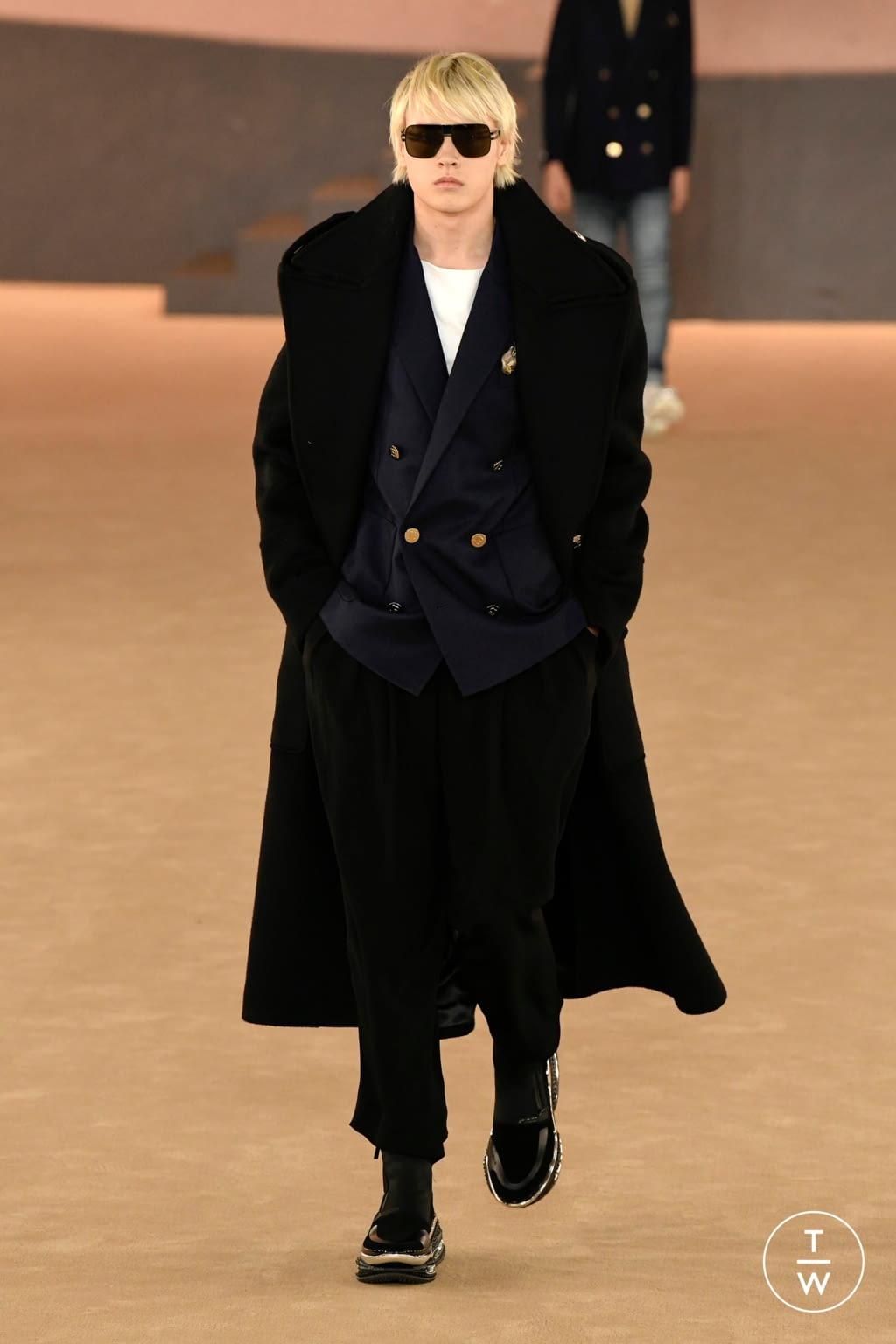 Fashion Week Paris Fall/Winter 2020 look 25 from the Balmain collection menswear