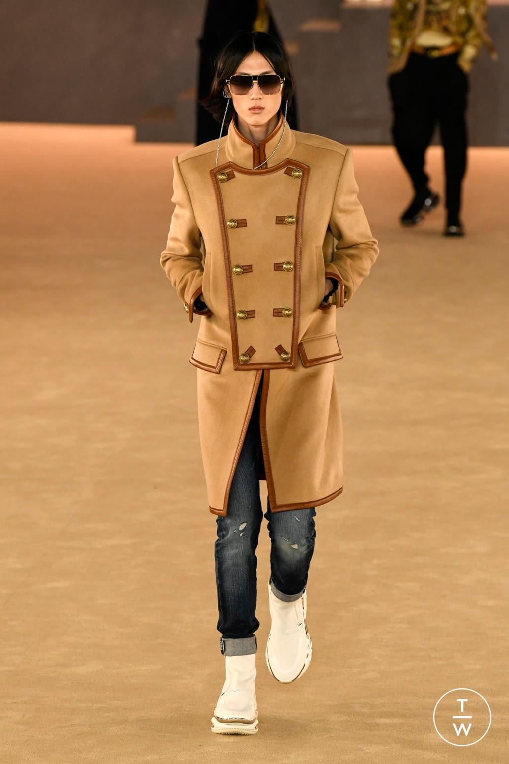 Fashion Week Paris Fall/Winter 2020 look 27 from the Balmain collection menswear