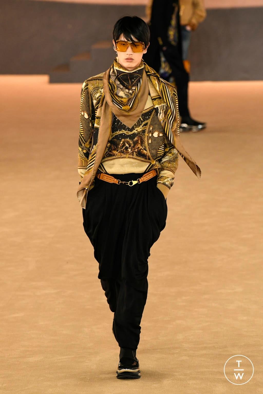 Fashion Week Paris Fall/Winter 2020 look 28 from the Balmain collection menswear