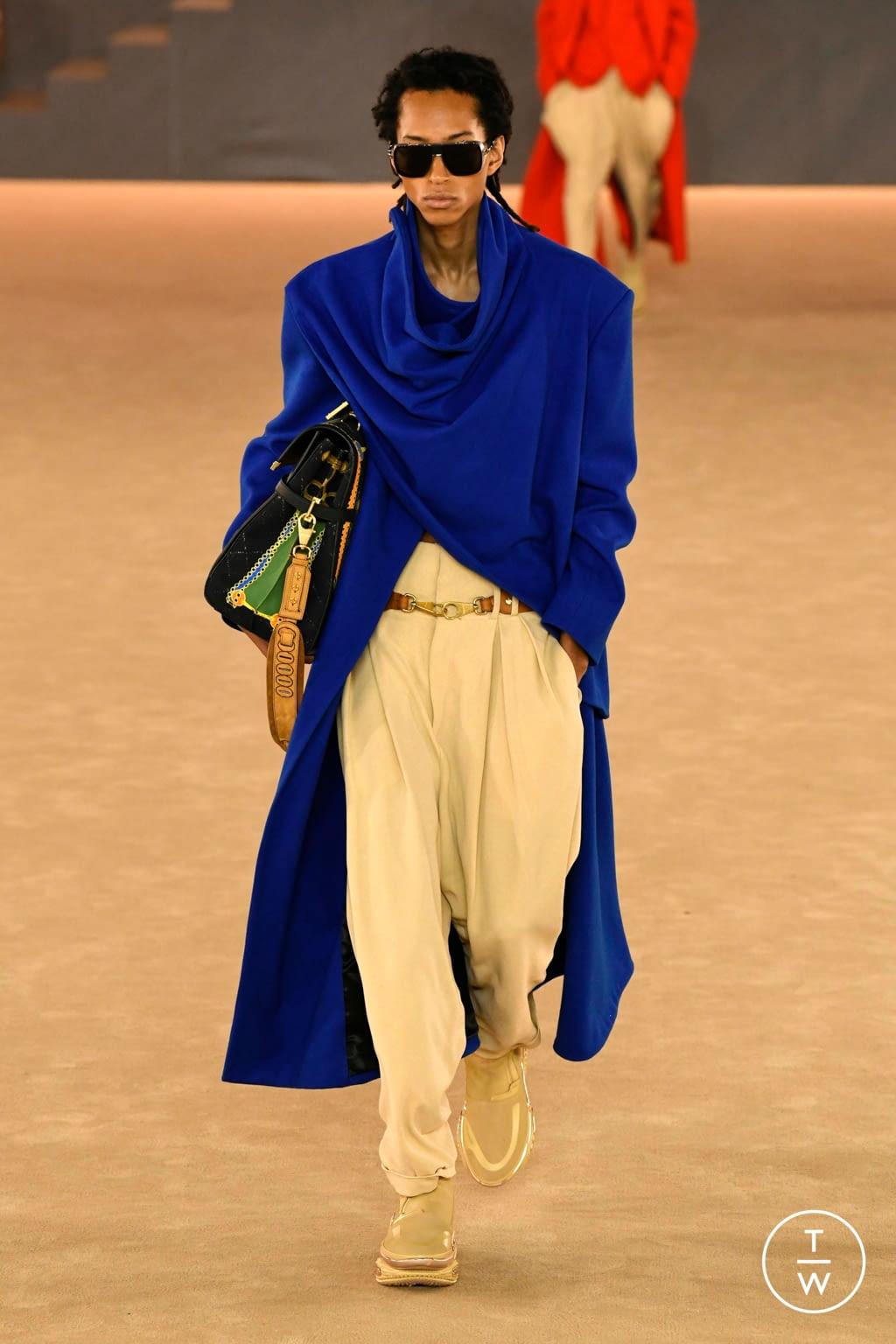 Fashion Week Paris Fall/Winter 2020 look 35 from the Balmain collection menswear