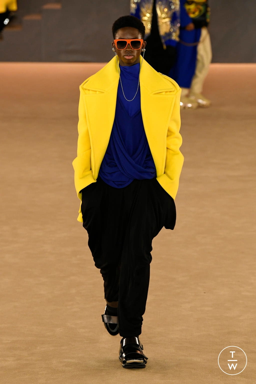 Fashion Week Paris Fall/Winter 2020 look 39 from the Balmain collection menswear