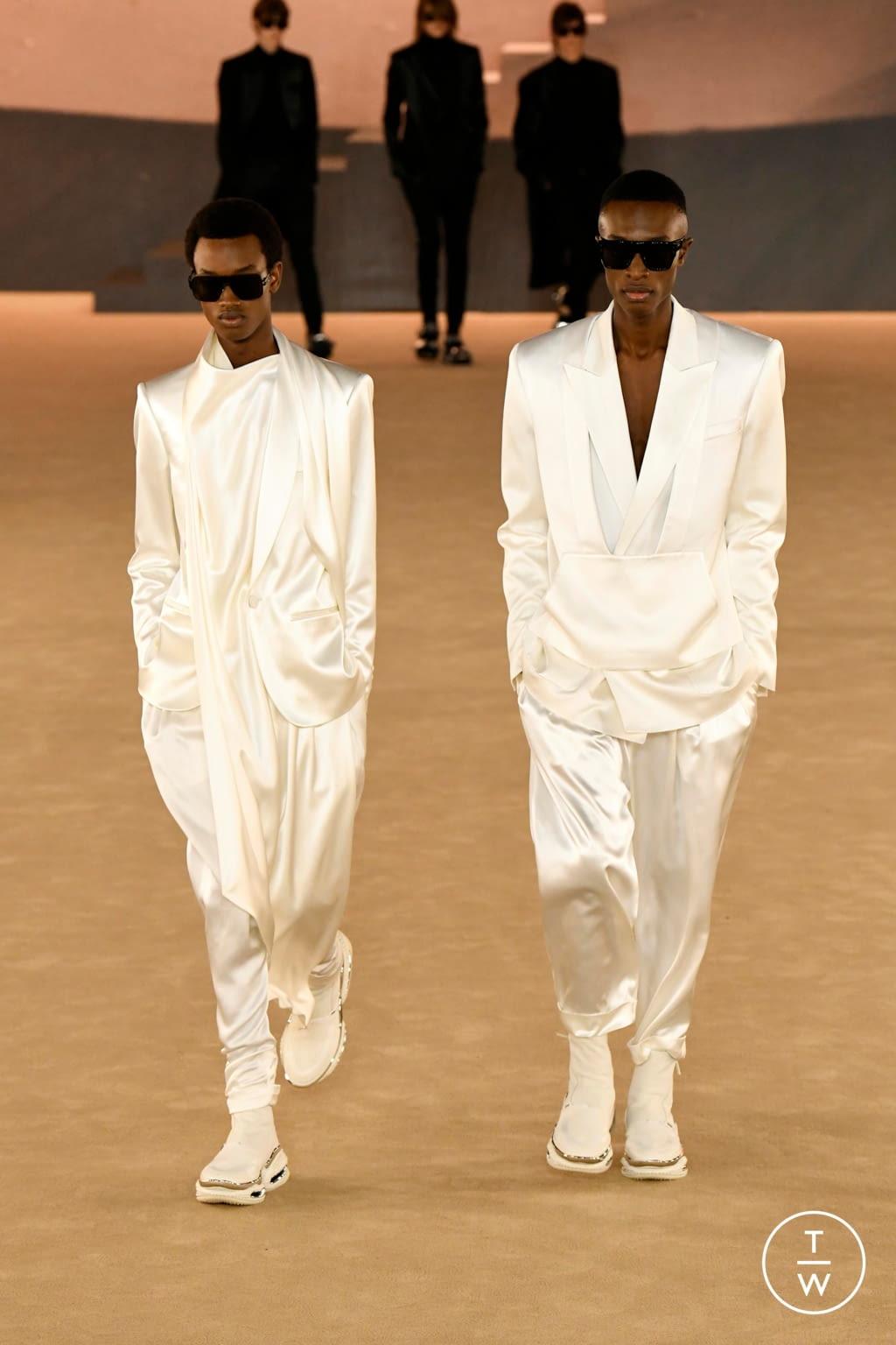 Fashion Week Paris Fall/Winter 2020 look 52 from the Balmain collection menswear