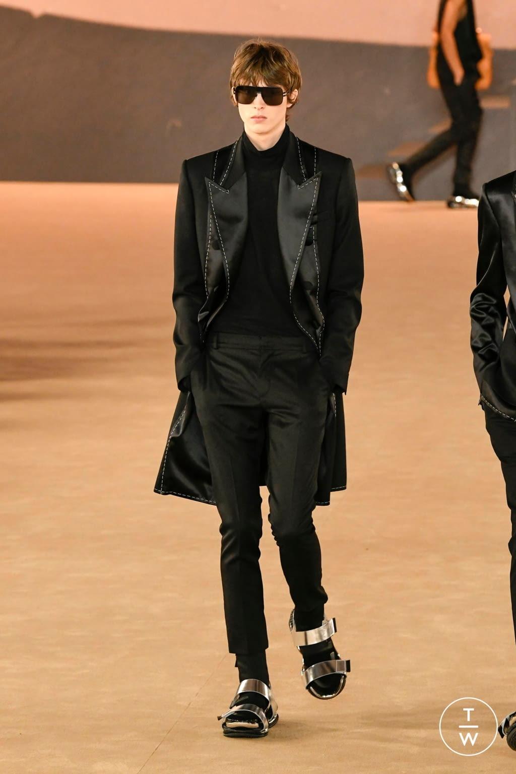Fashion Week Paris Fall/Winter 2020 look 53 from the Balmain collection menswear