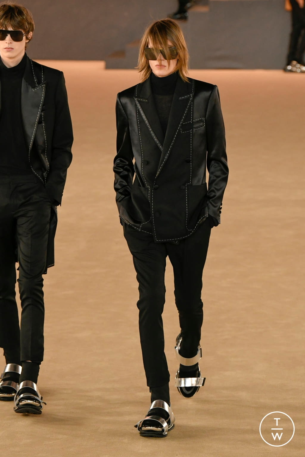 Fashion Week Paris Fall/Winter 2020 look 54 from the Balmain collection menswear