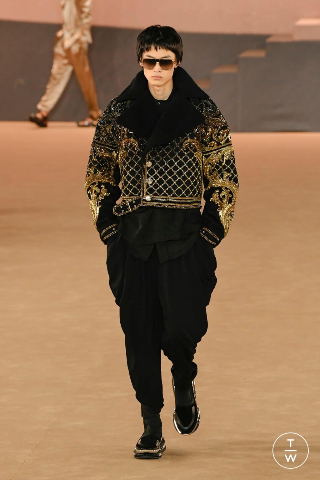 Fashion Week Paris Fall/Winter 2020 look 63 from the Balmain collection menswear