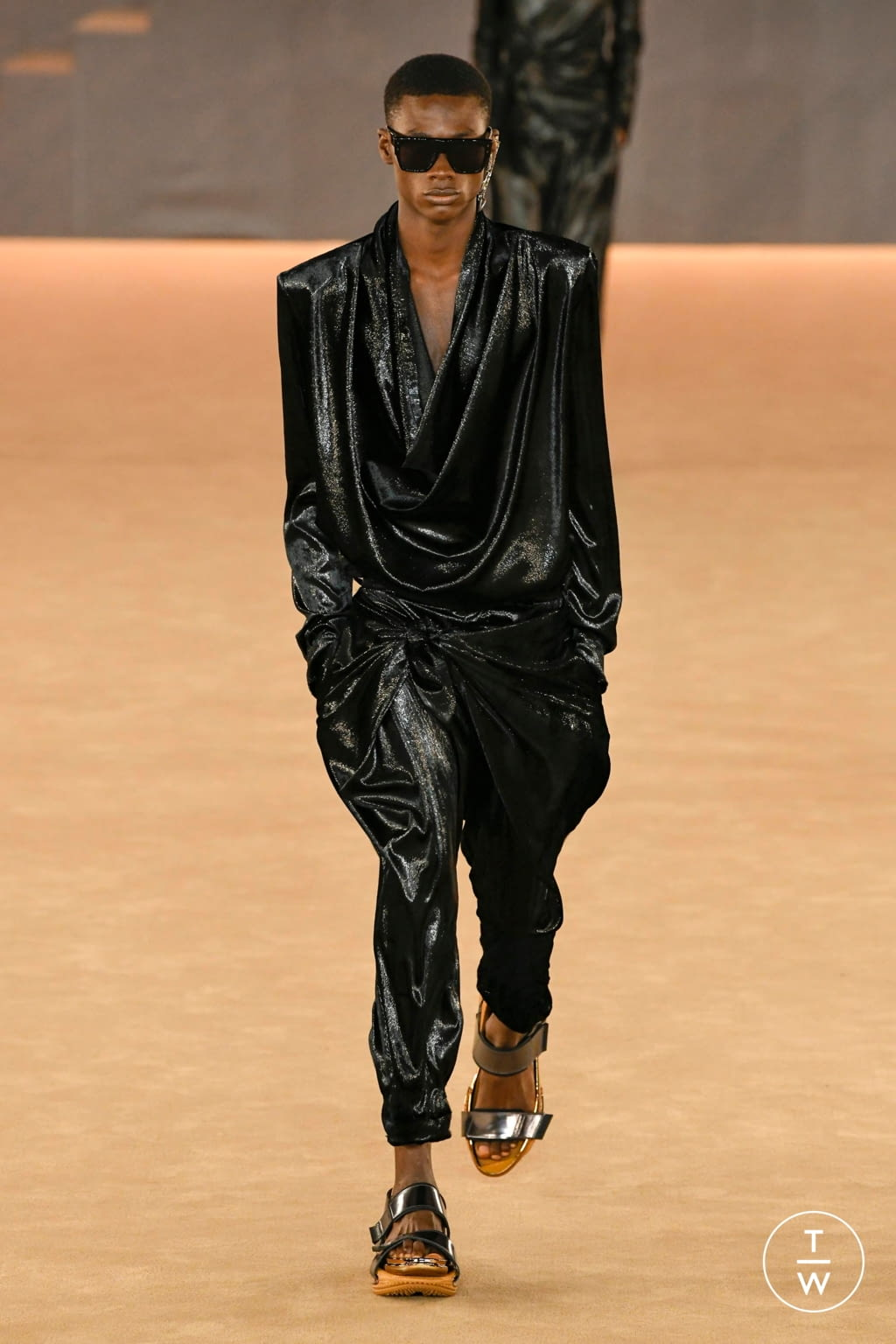 Fashion Week Paris Fall/Winter 2020 look 67 from the Balmain collection menswear