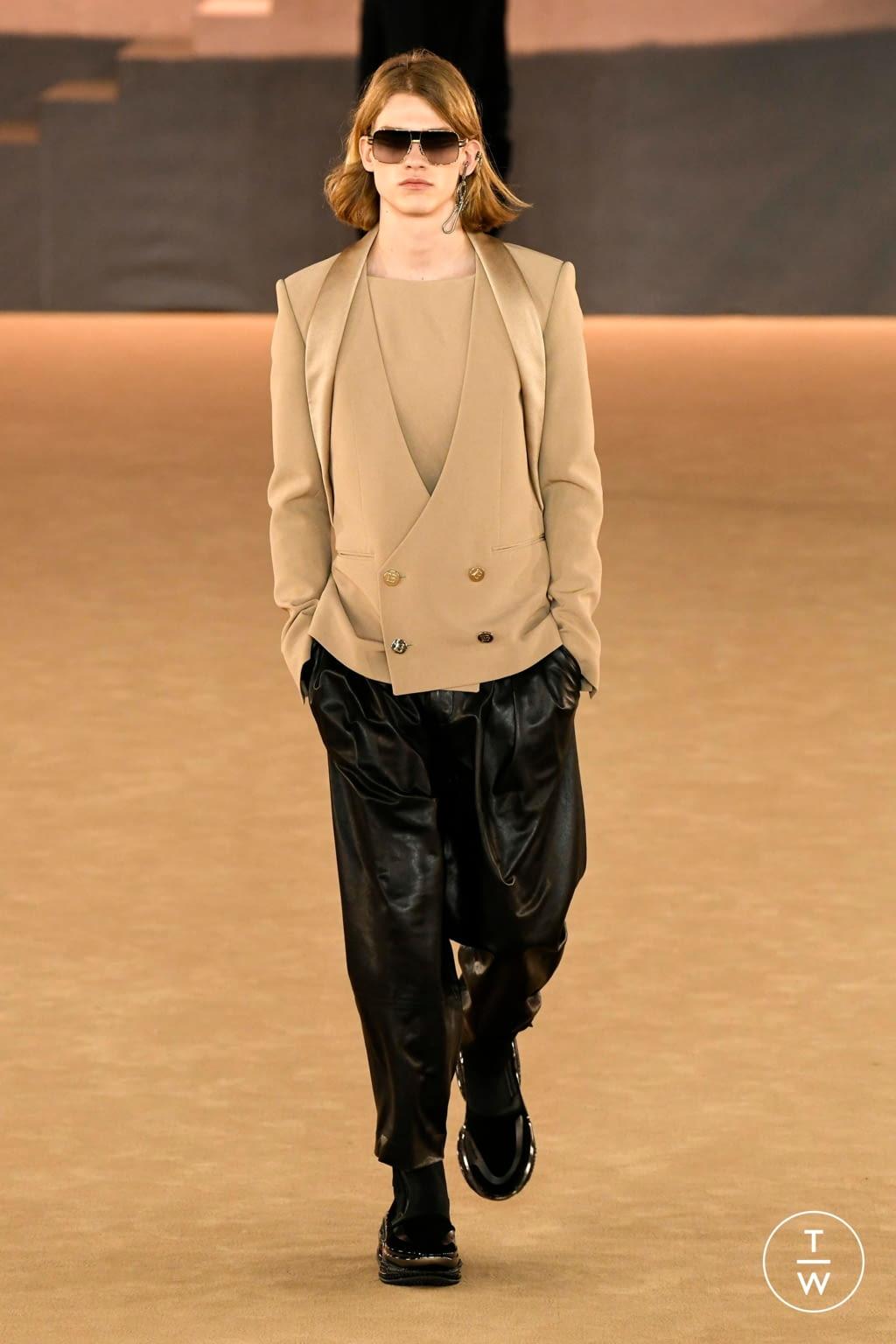 Fashion Week Paris Fall/Winter 2020 look 69 from the Balmain collection menswear