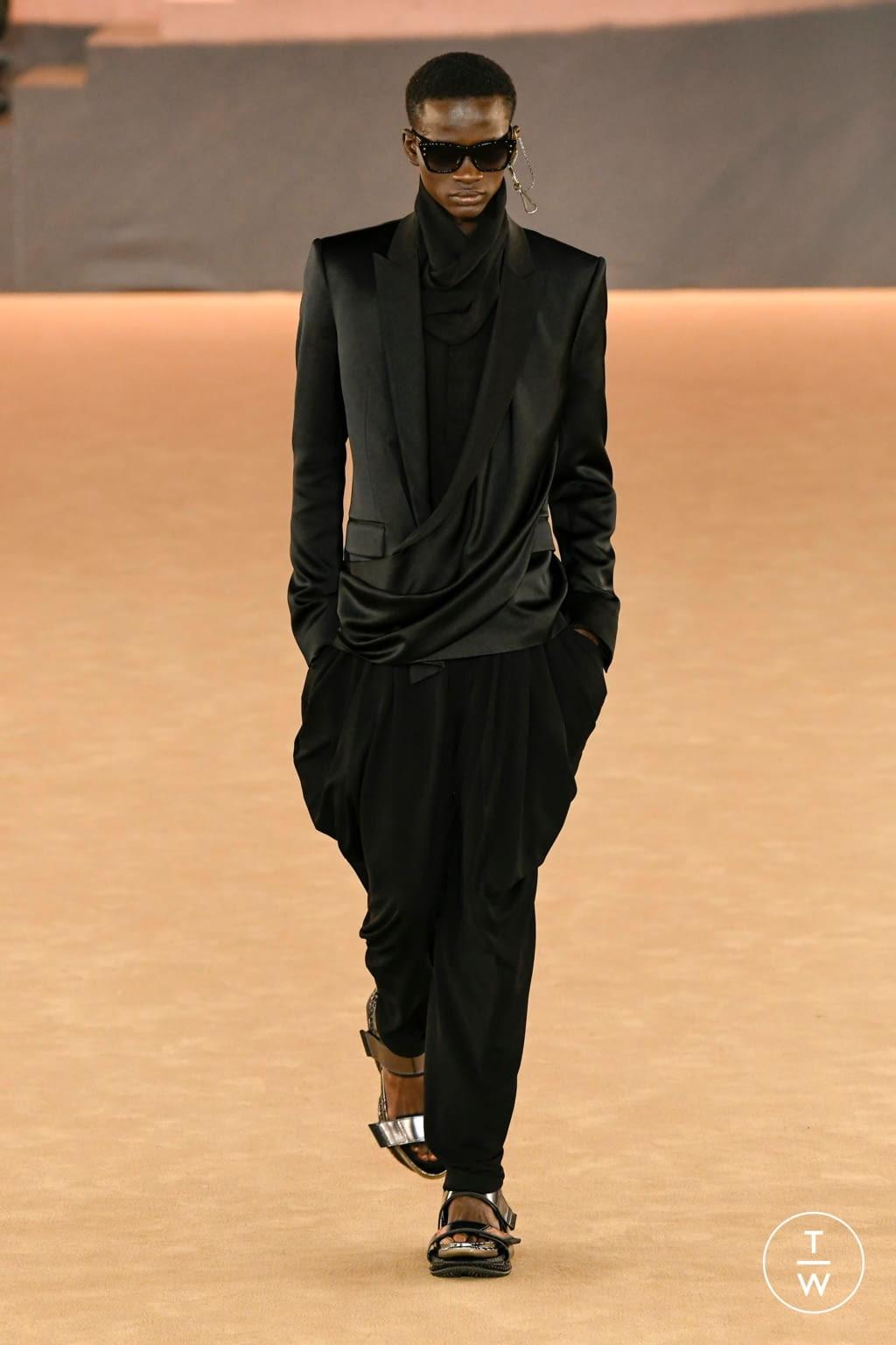 Fashion Week Paris Fall/Winter 2020 look 70 from the Balmain collection menswear
