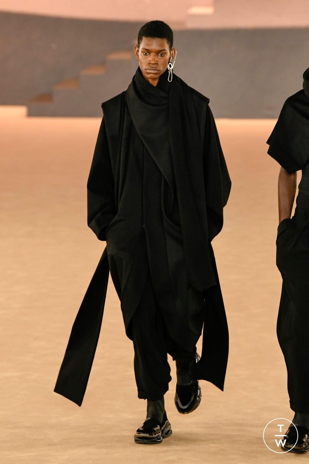 Fashion Week Paris Fall/Winter 2020 look 71 from the Balmain collection menswear