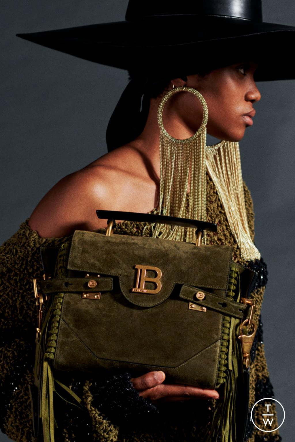 Fashion Week Paris Resort 2020 look 60 from the Balmain collection womenswear
