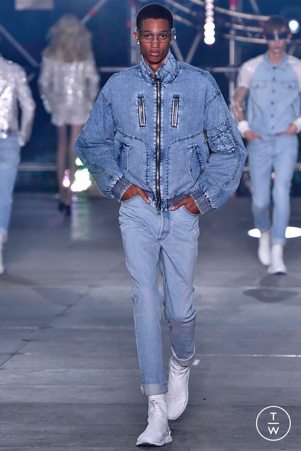Fashion Week Paris Spring/Summer 2020 look 20 from the Balmain collection menswear