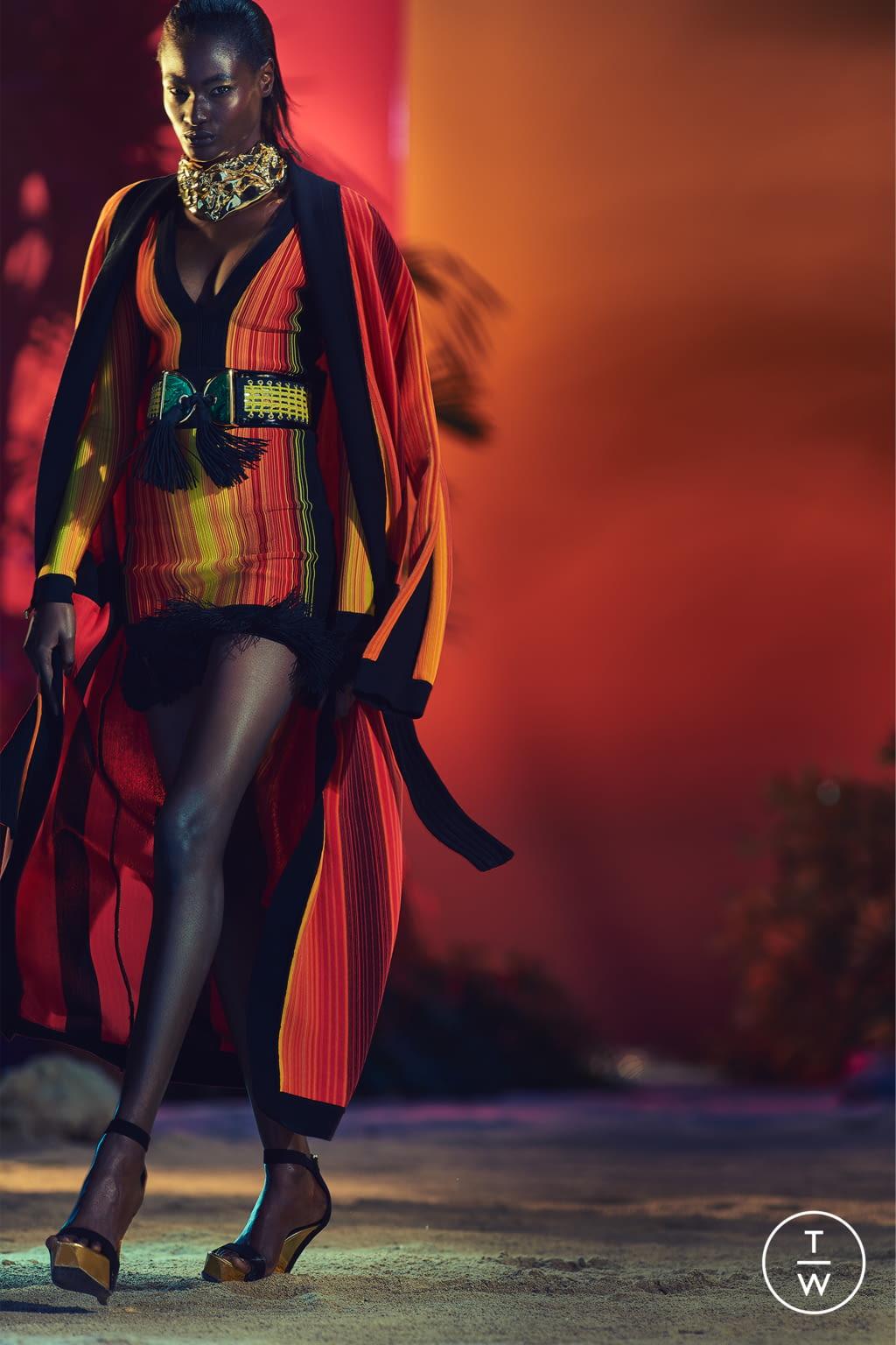 Fashion Week Paris Resort 2017 look 20 from the Balmain collection womenswear