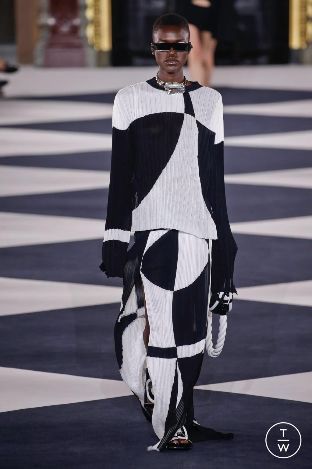 Fashion Week Paris Spring/Summer 2020 look 4 de la collection Balmain womenswear