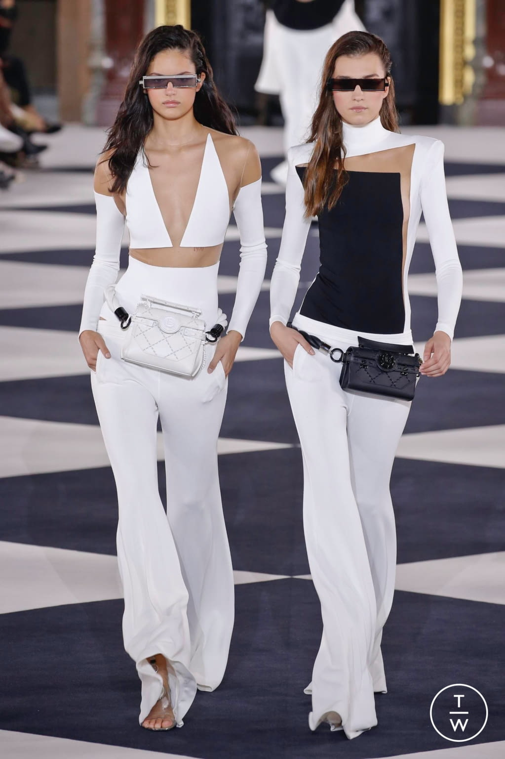 Fashion Week Paris Spring/Summer 2020 look 6 from the Balmain collection womenswear