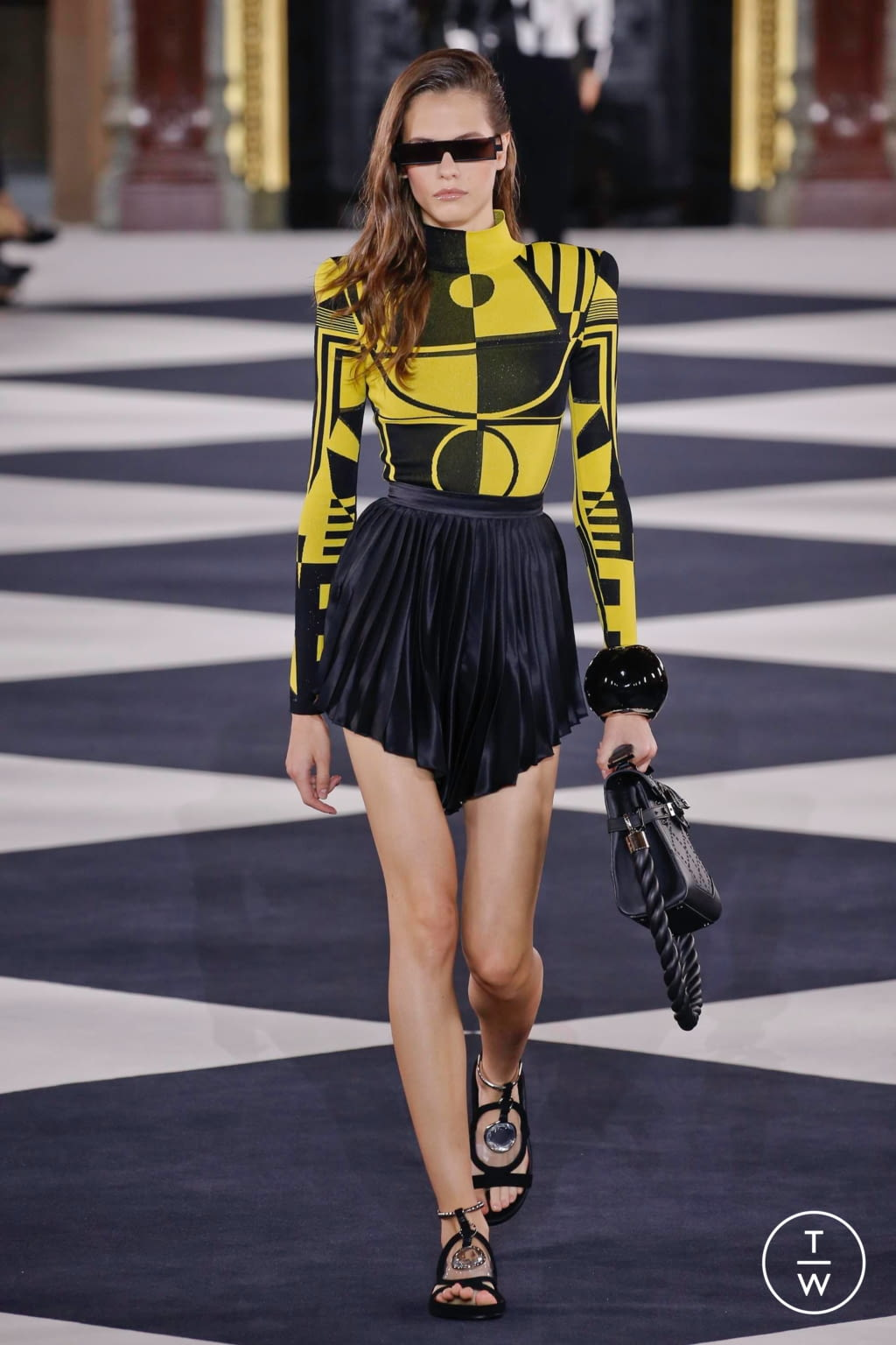 Fashion Week Paris Spring/Summer 2020 look 11 from the Balmain collection 女装