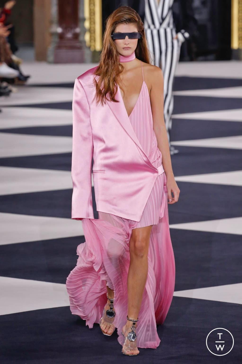 Fashion Week Paris Spring/Summer 2020 look 25 from the Balmain collection womenswear