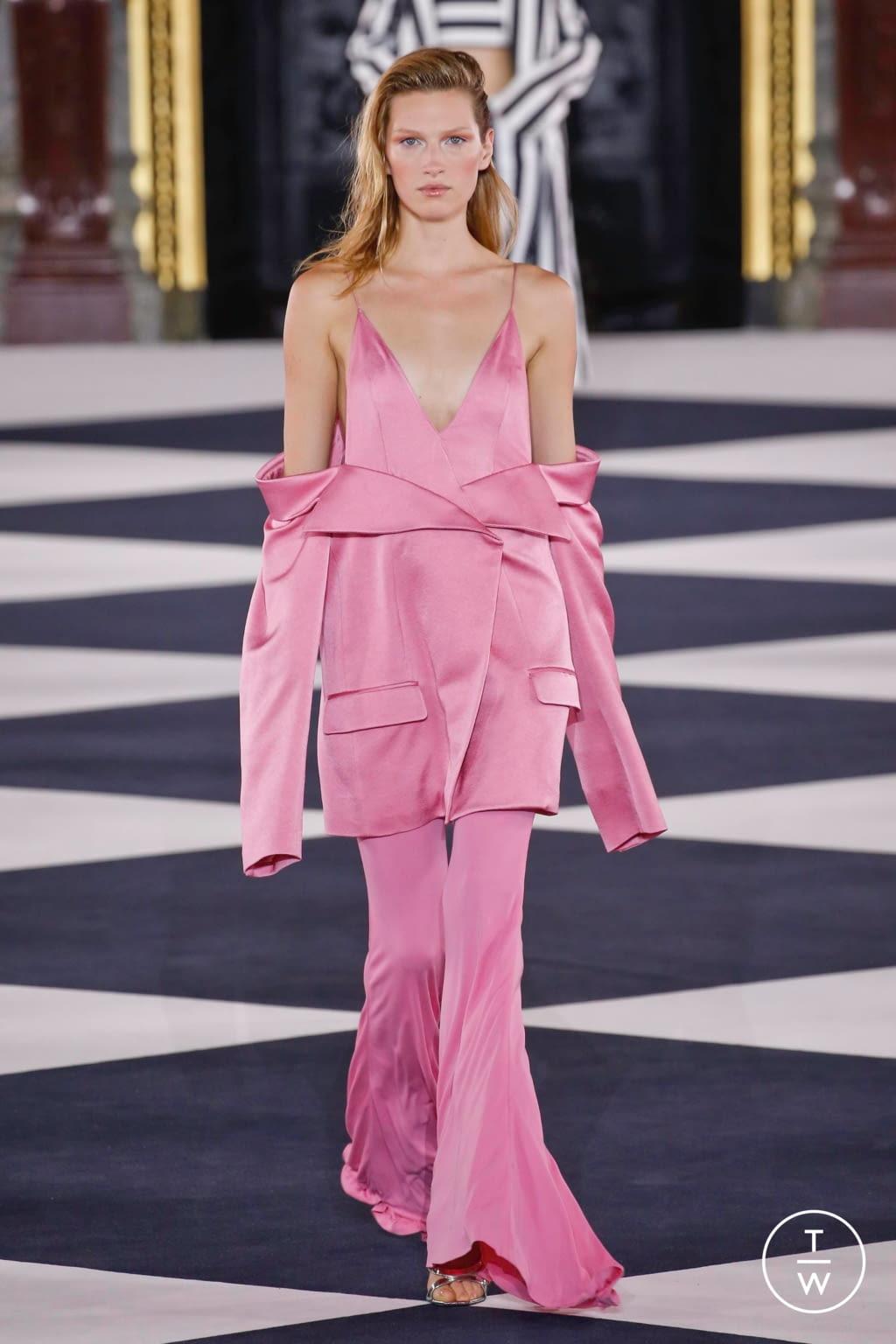 Fashion Week Paris Spring/Summer 2020 look 34 from the Balmain collection womenswear