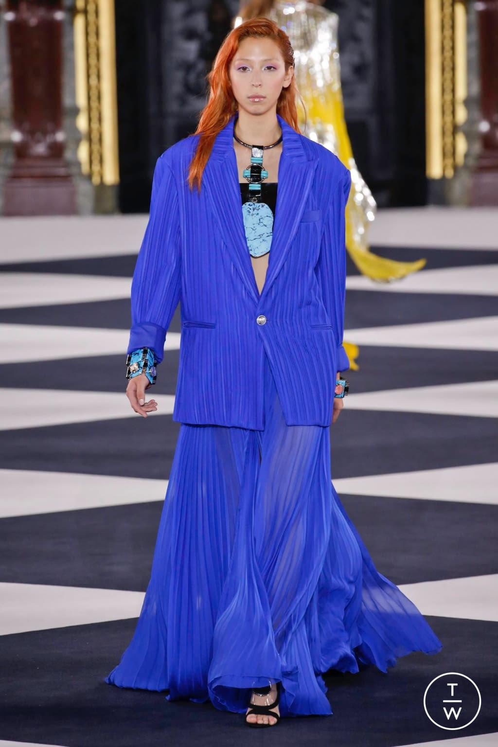 Fashion Week Paris Spring/Summer 2020 look 49 from the Balmain collection womenswear