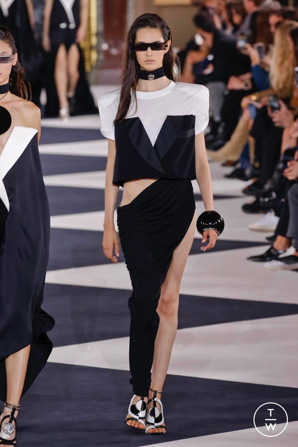 Fashion Week Paris Spring/Summer 2020 look 101 from the Balmain collection womenswear