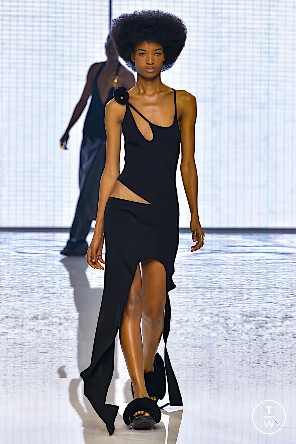 Fashion Week Paris Spring/Summer 2022 look 6 from the Balmain collection womenswear