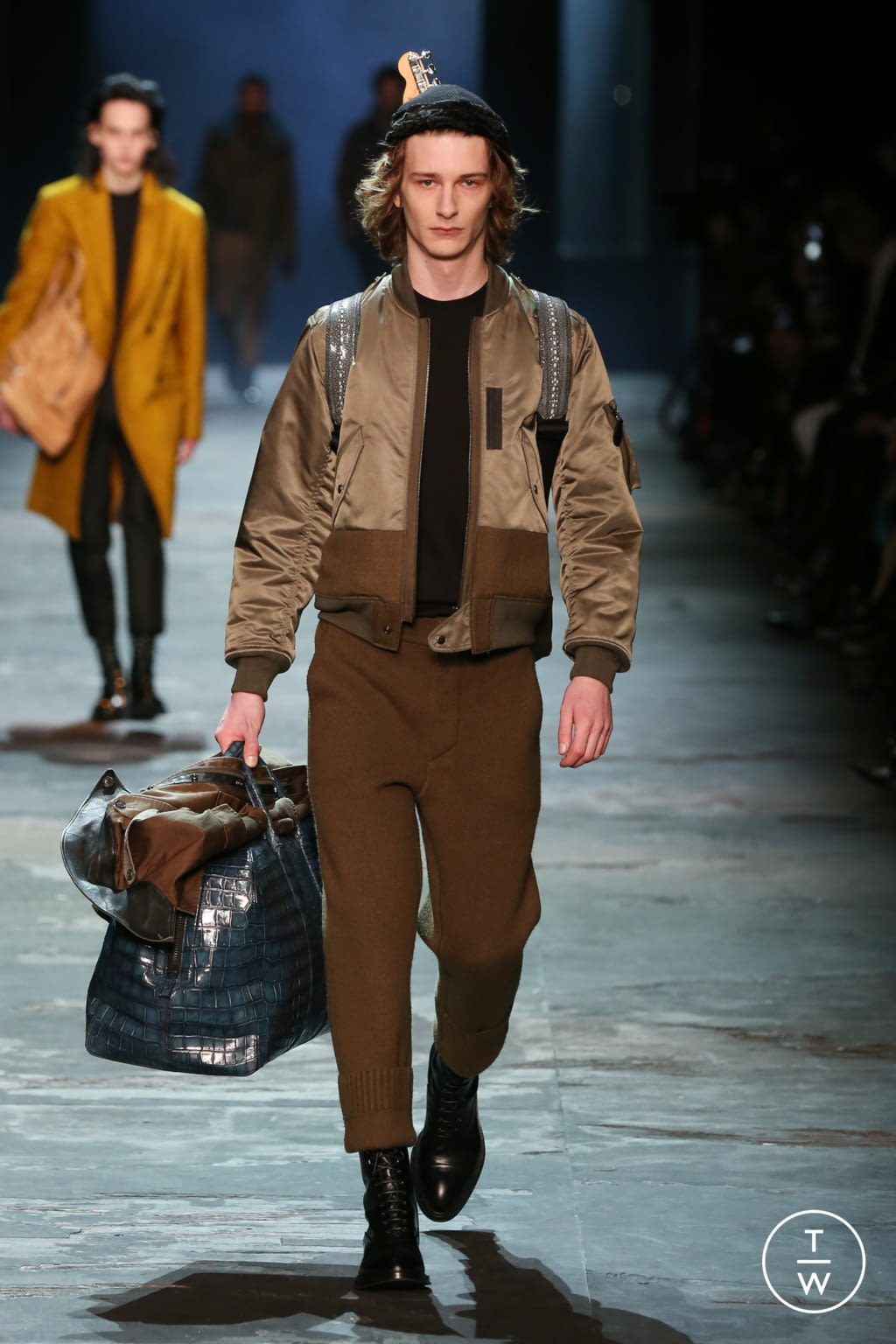 Fashion Week Paris Fall/Winter 2017 look 5 from the Berluti collection menswear
