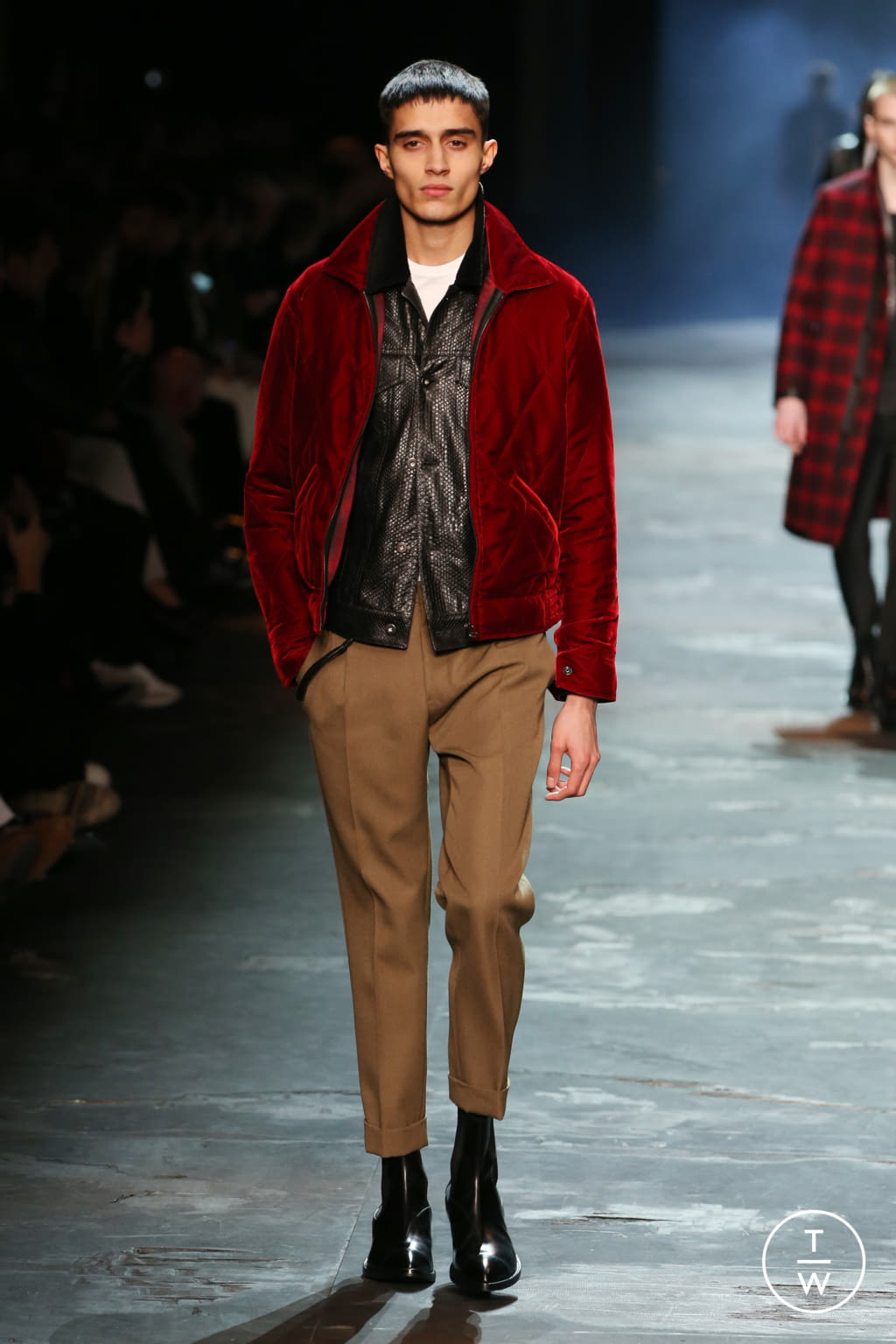 Fashion Week Paris Fall/Winter 2017 look 19 from the Berluti collection menswear