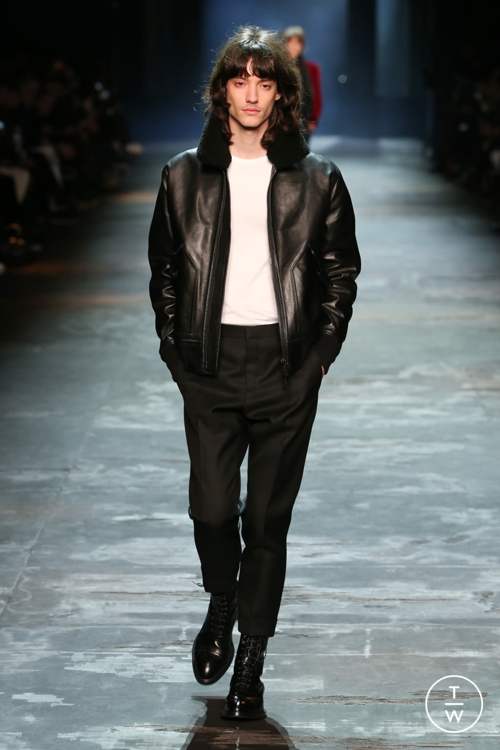 Fashion Week Paris Fall/Winter 2017 look 21 from the Berluti collection menswear