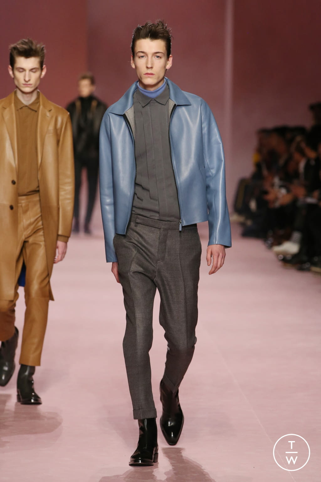 Fashion Week Paris Fall/Winter 2018 look 5 from the Berluti collection menswear