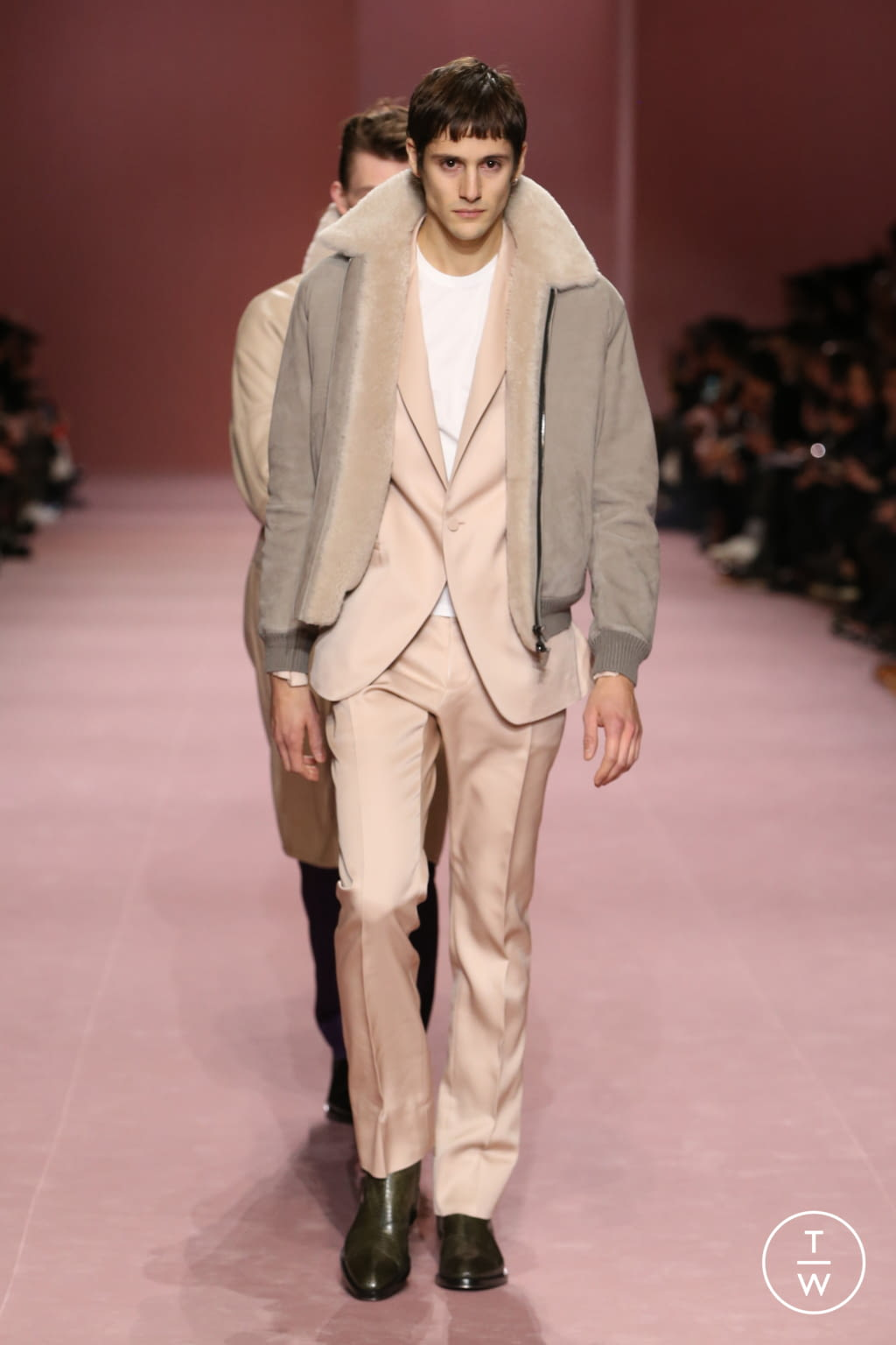 Fashion Week Paris Fall/Winter 2018 look 13 from the Berluti collection menswear