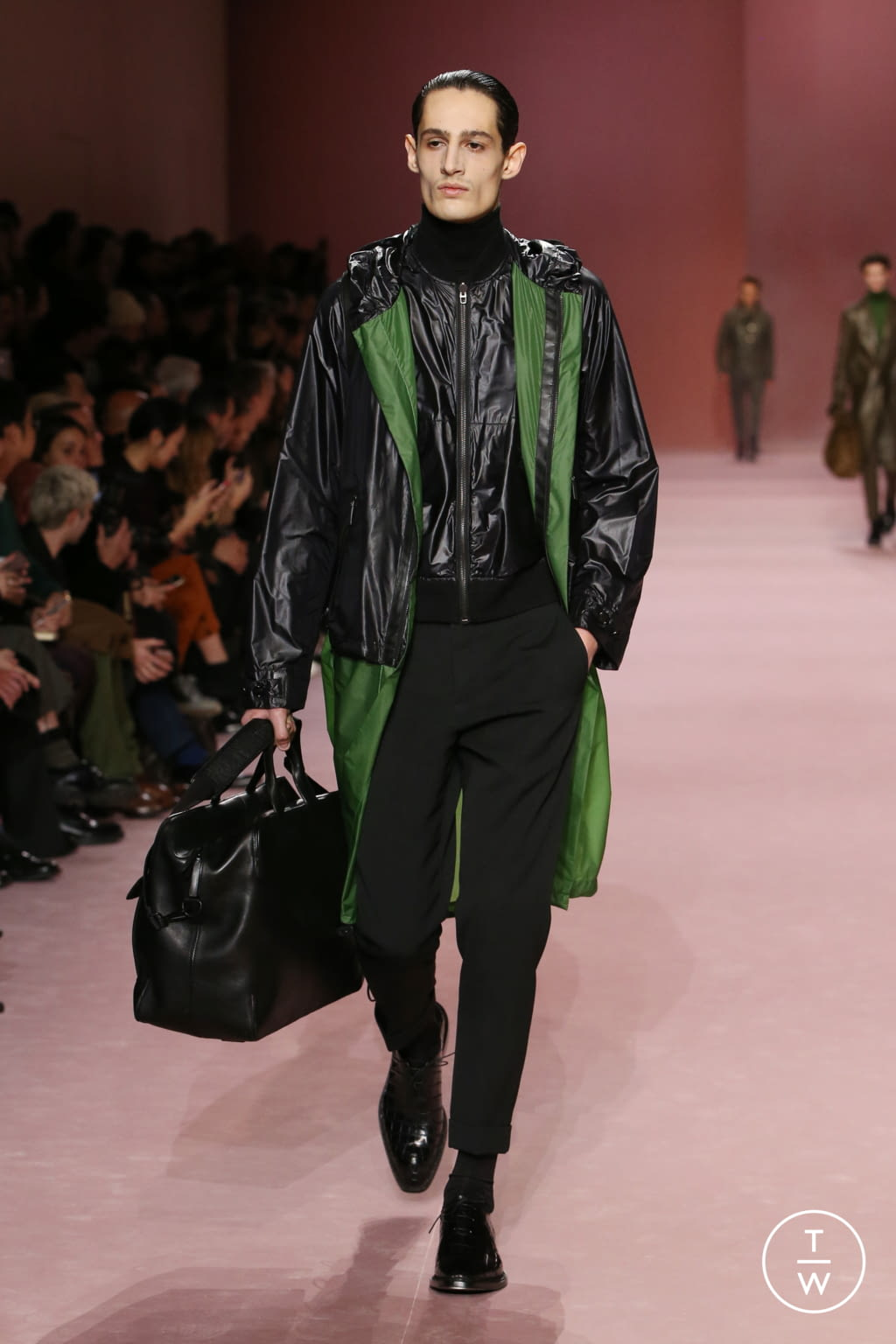 Fashion Week Paris Fall/Winter 2018 look 18 from the Berluti collection menswear