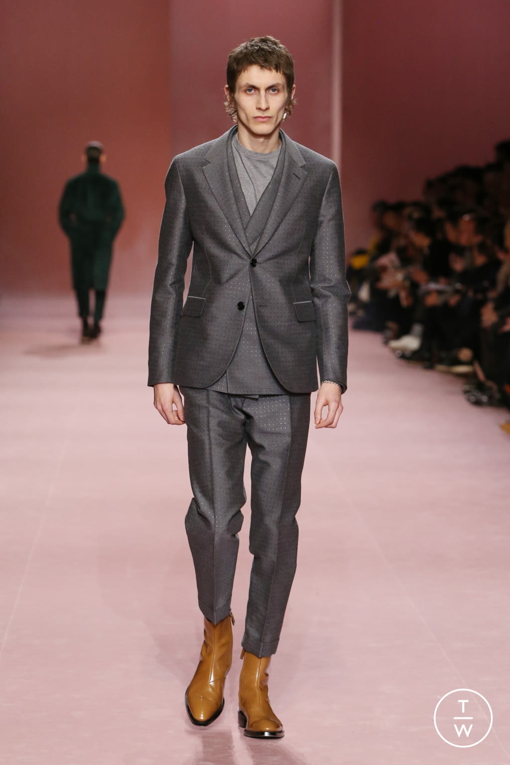 Fashion Week Paris Fall/Winter 2018 look 24 from the Berluti collection menswear