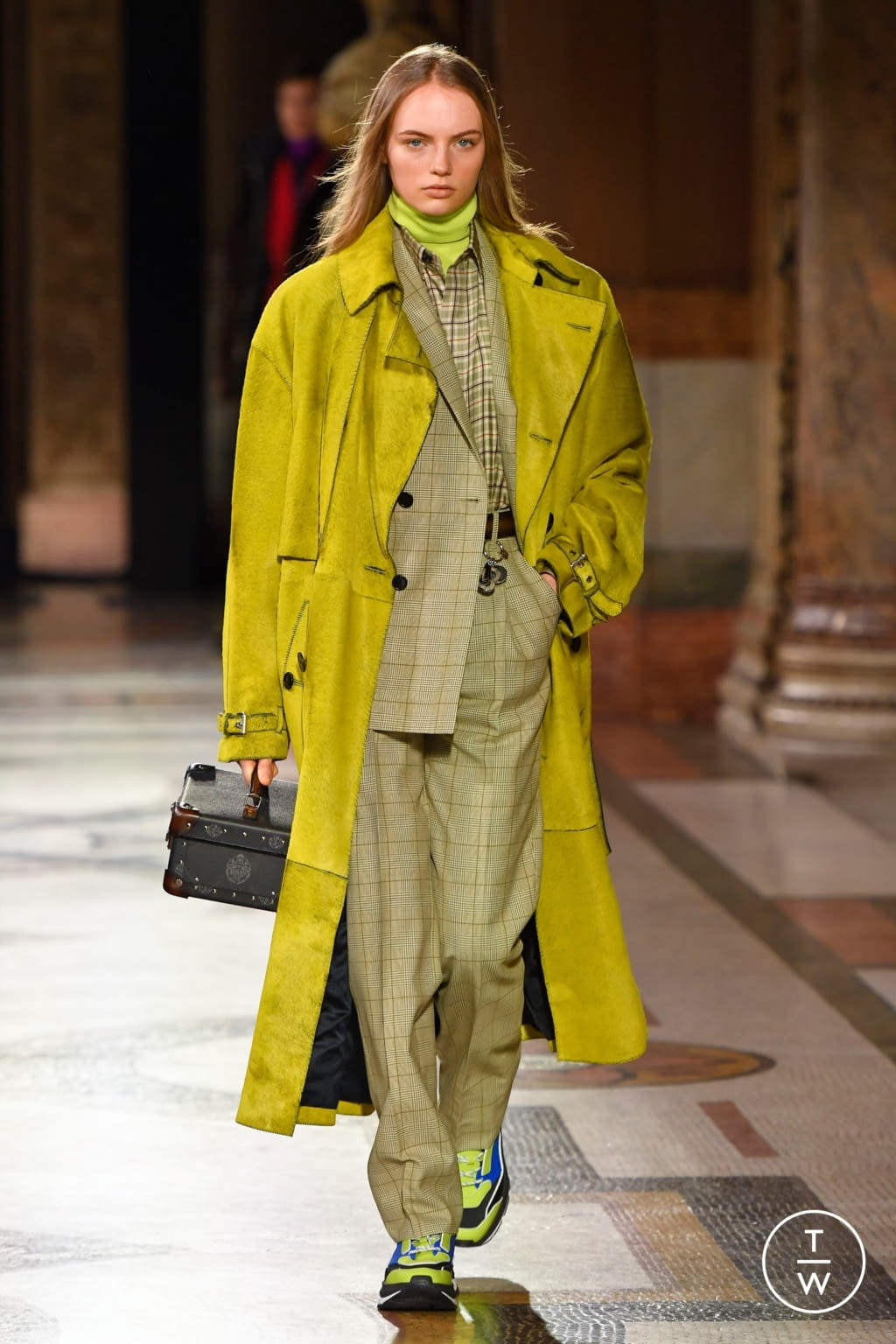 Fashion Week Paris Fall/Winter 2020 look 5 from the Berluti collection menswear