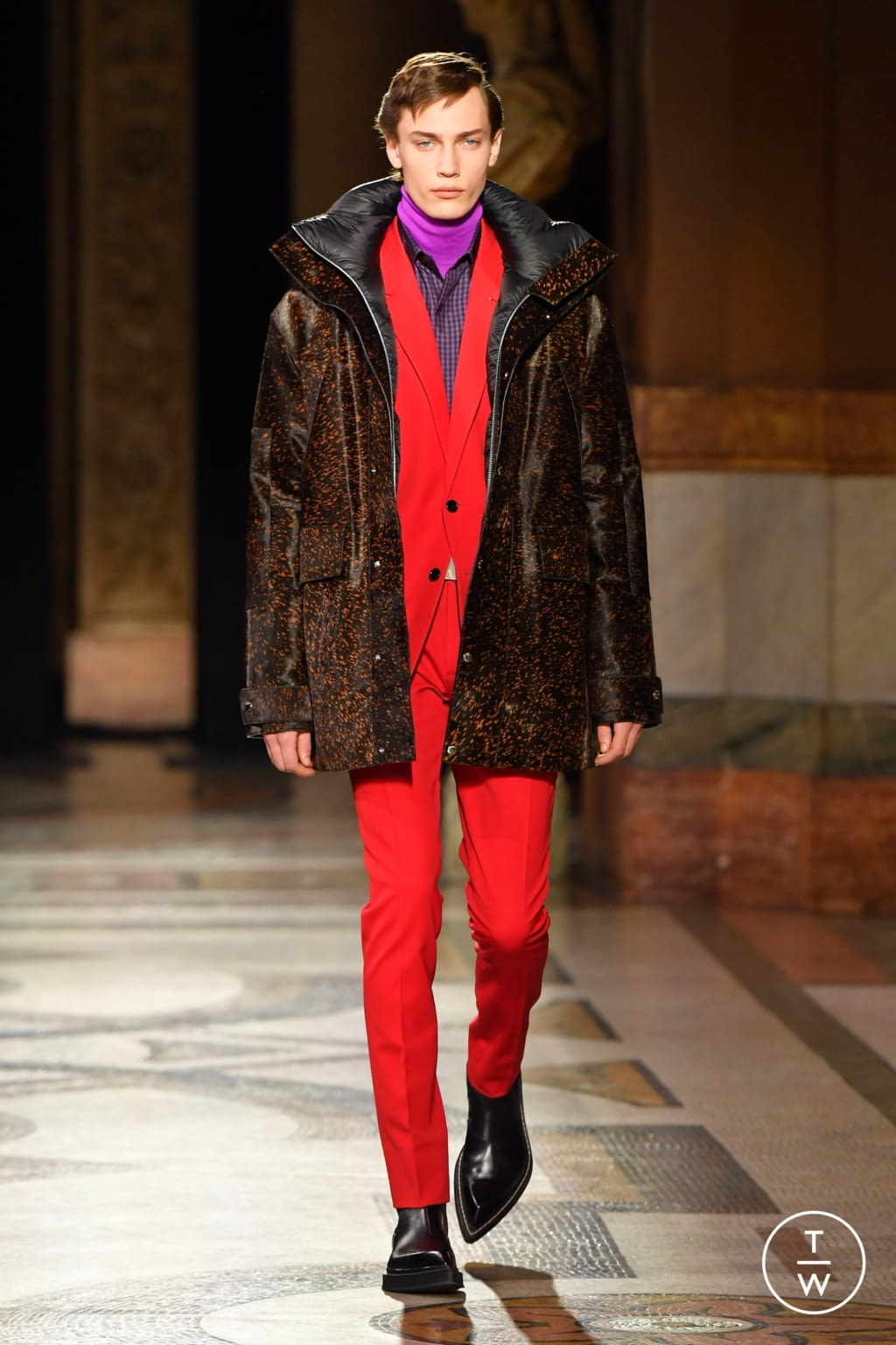 Fashion Week Paris Fall/Winter 2020 look 6 from the Berluti collection menswear