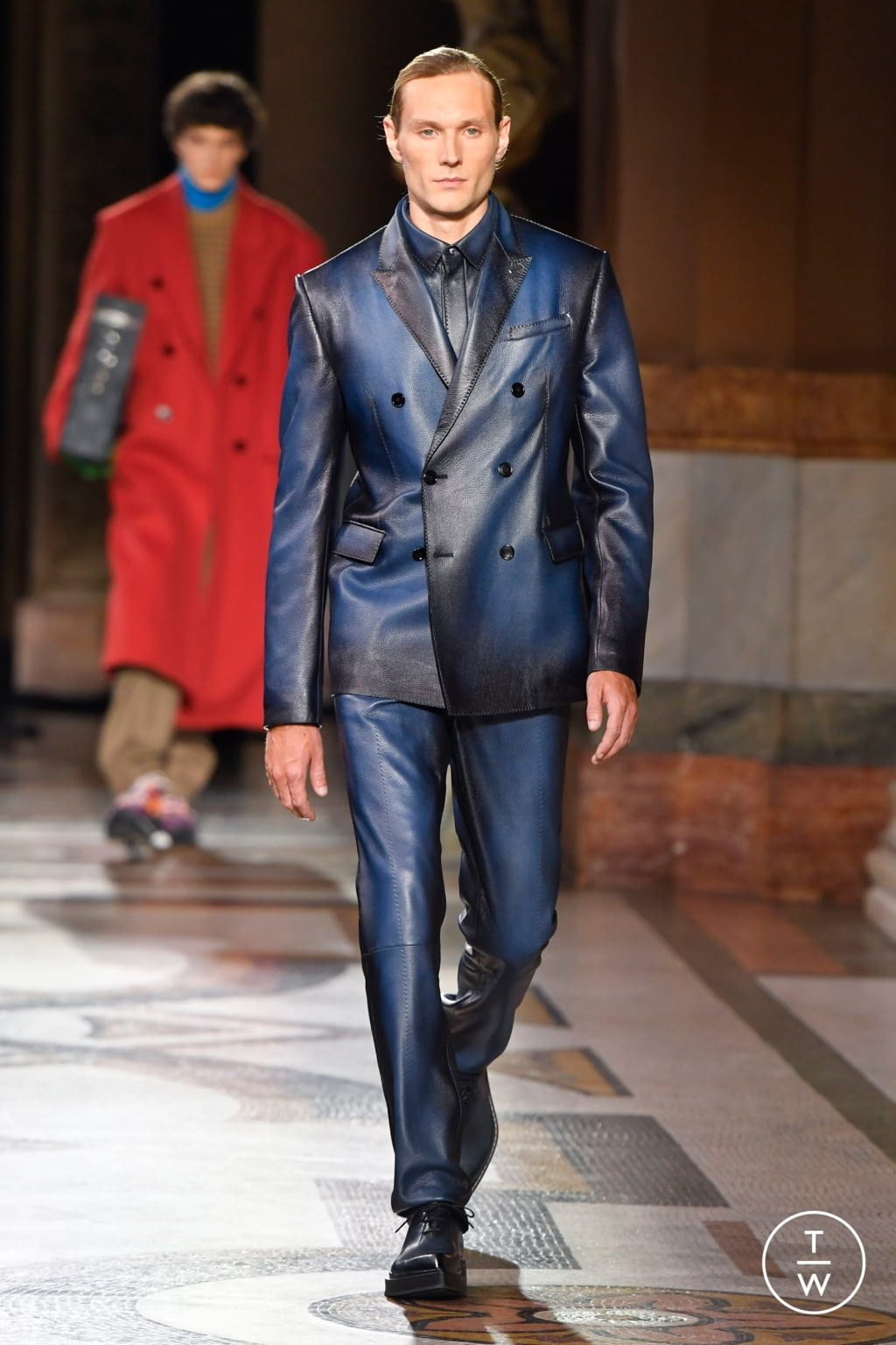 Fashion Week Paris Fall/Winter 2020 look 13 from the Berluti collection menswear