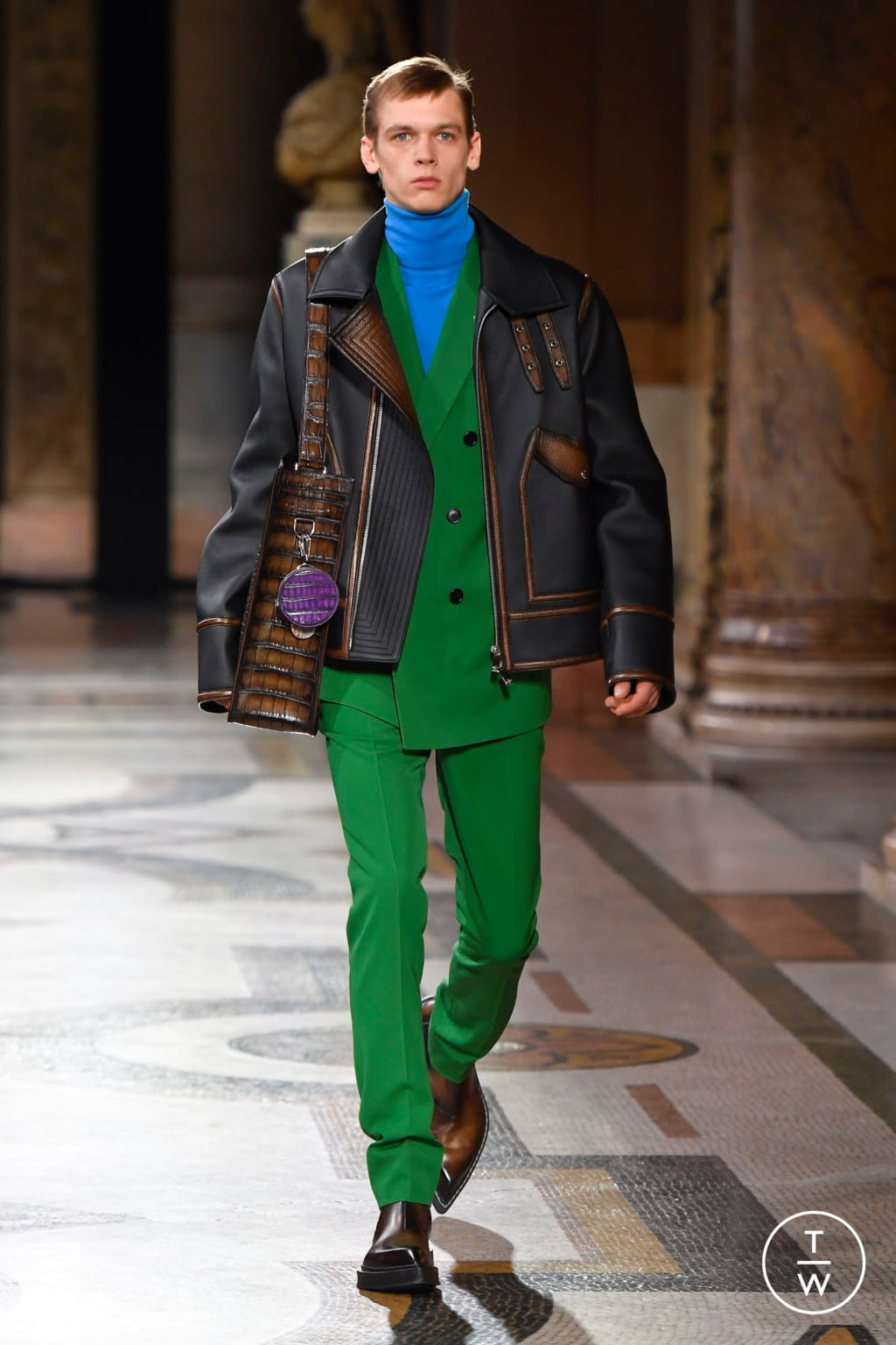 Fashion Week Paris Fall/Winter 2020 look 17 from the Berluti collection menswear