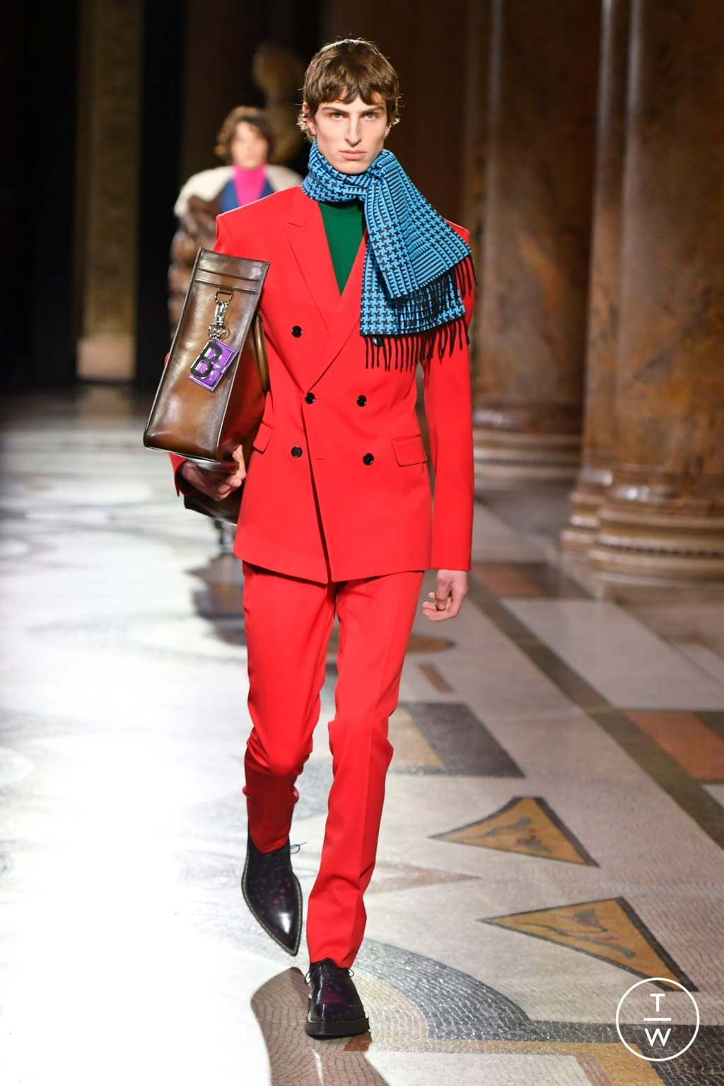 Fashion Week Paris Fall/Winter 2020 look 22 from the Berluti collection menswear
