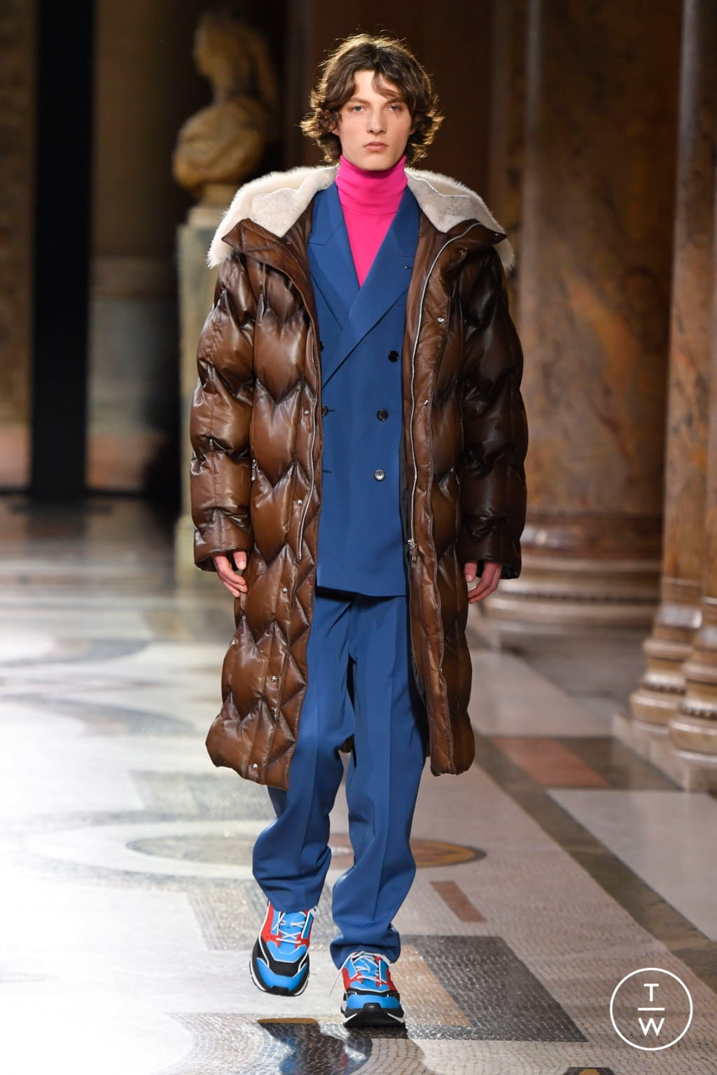 Fashion Week Paris Fall/Winter 2020 look 23 from the Berluti collection menswear