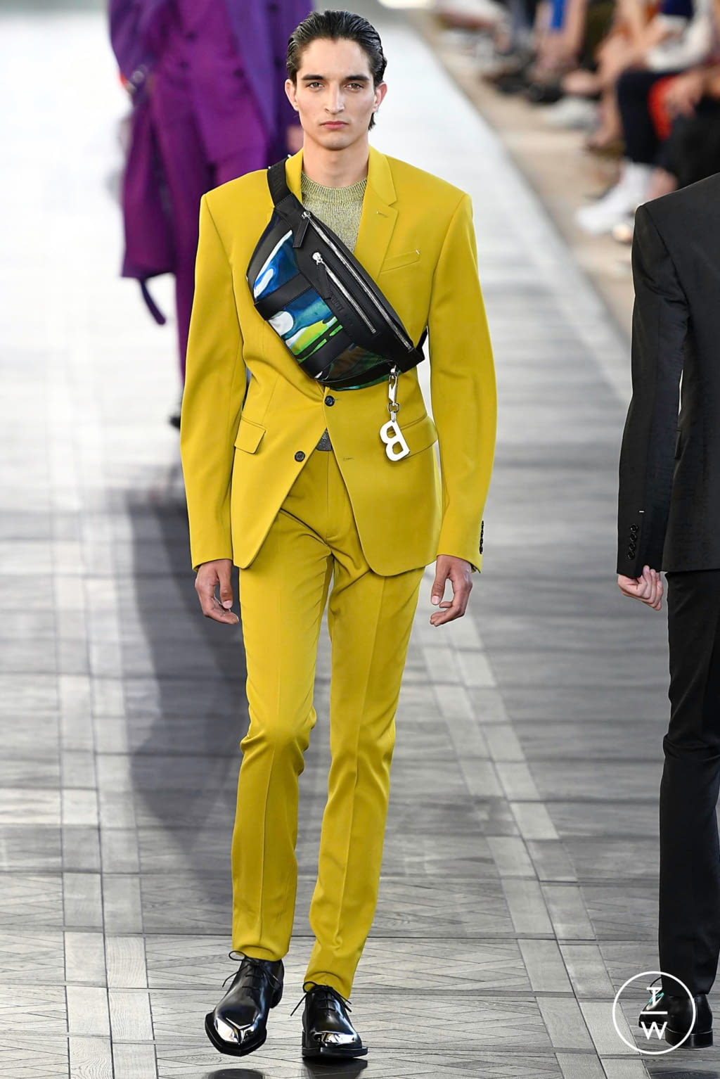Fashion Week Paris Spring/Summer 2020 look 3 from the Berluti collection 男装