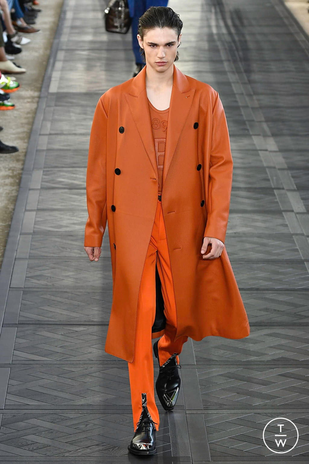 Fashion Week Paris Spring/Summer 2020 look 15 from the Berluti collection 男装
