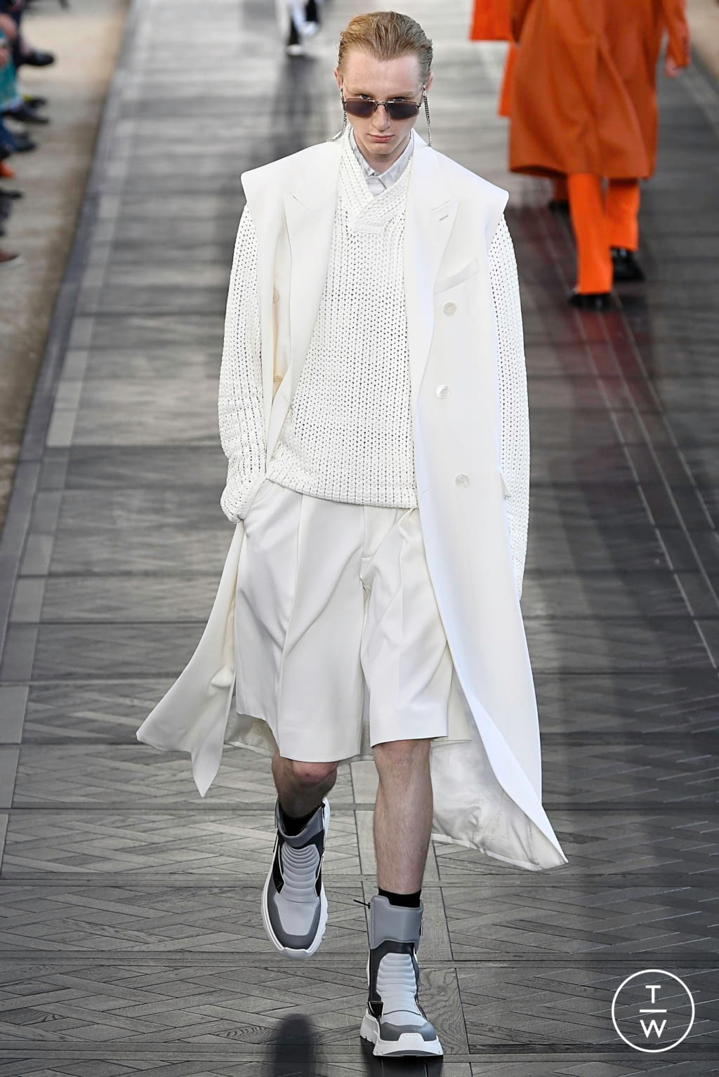 Fashion Week Paris Spring/Summer 2020 look 17 from the Berluti collection menswear