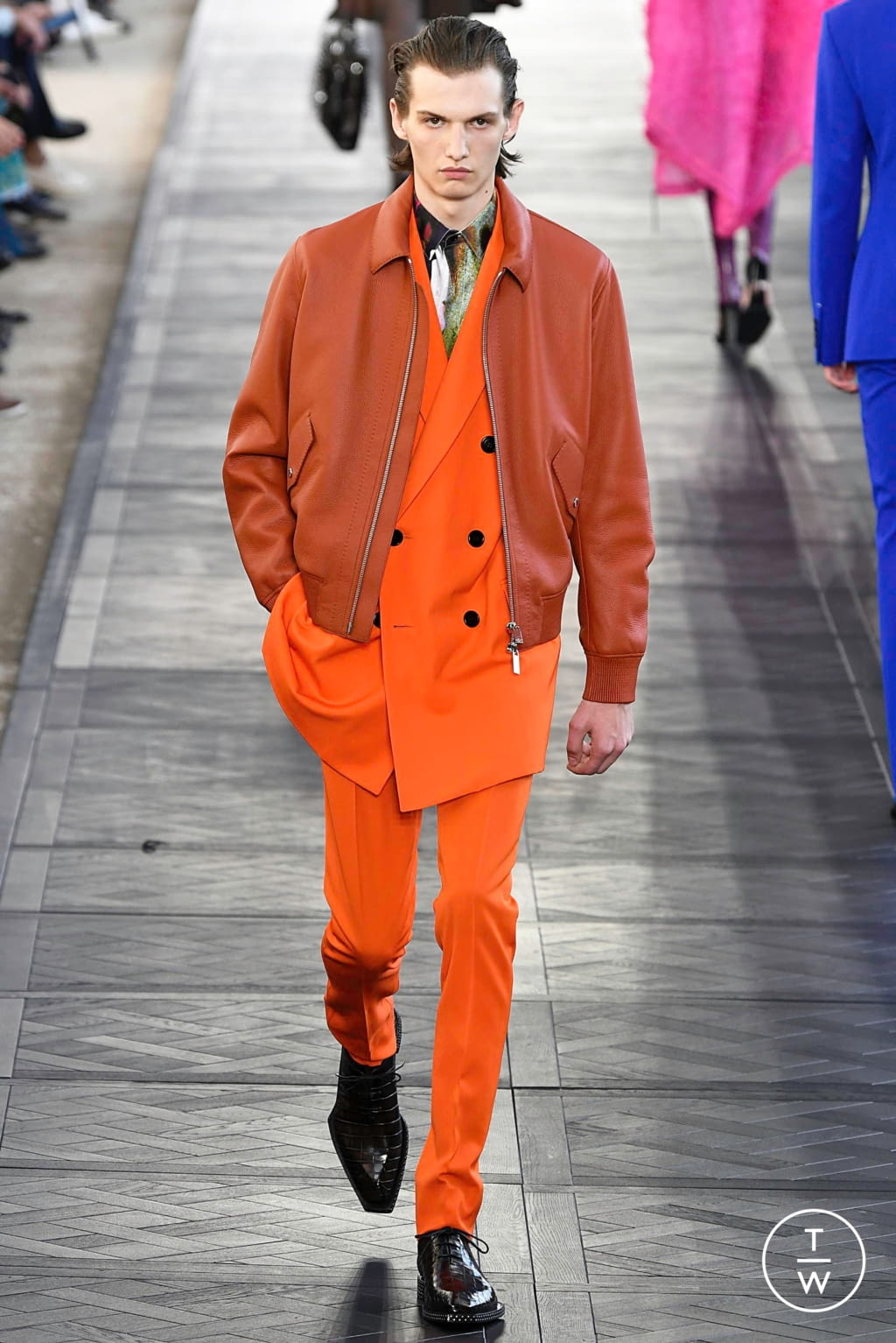 Fashion Week Paris Spring/Summer 2020 look 27 from the Berluti collection 男装