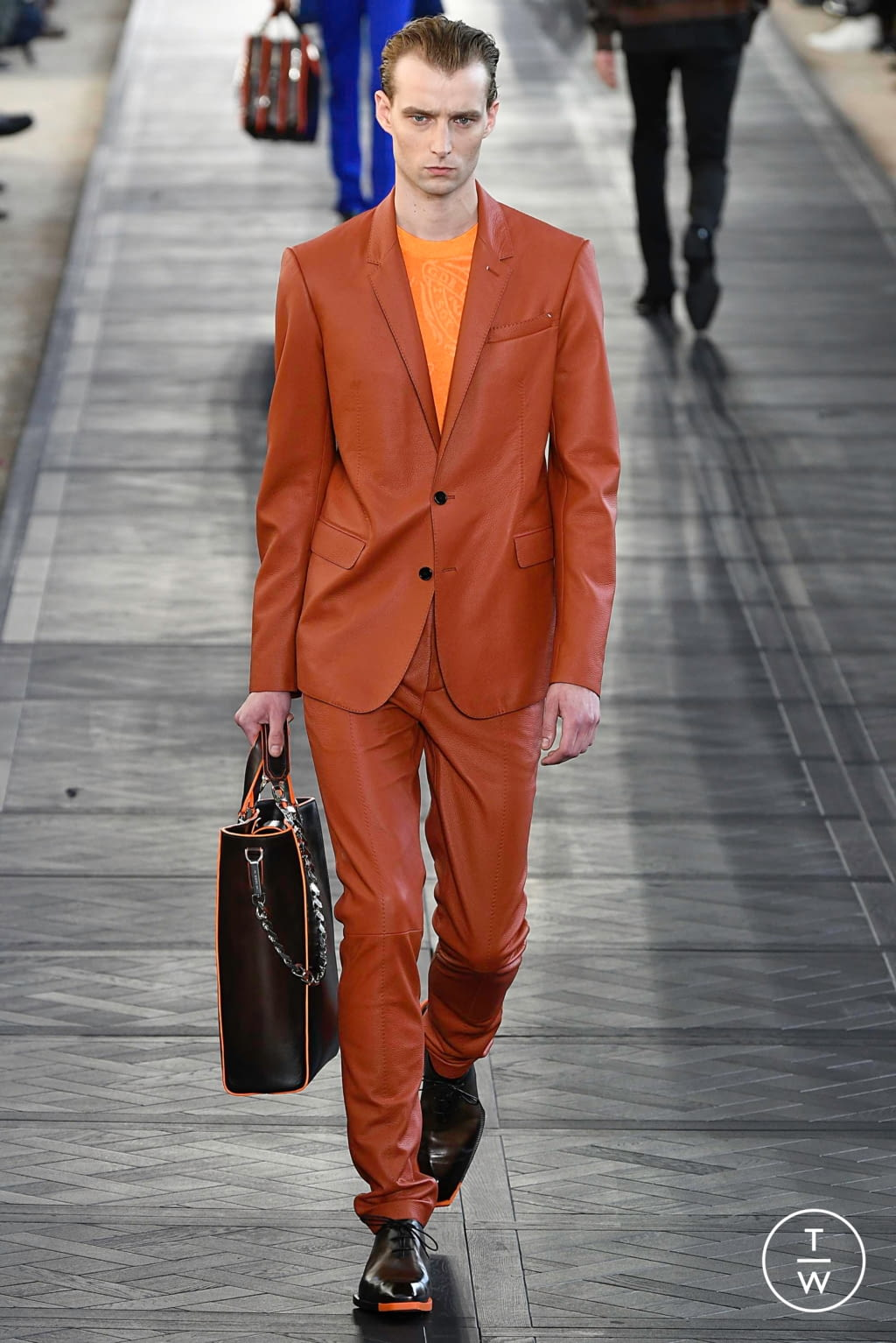 Fashion Week Paris Spring/Summer 2020 look 39 from the Berluti collection 男装