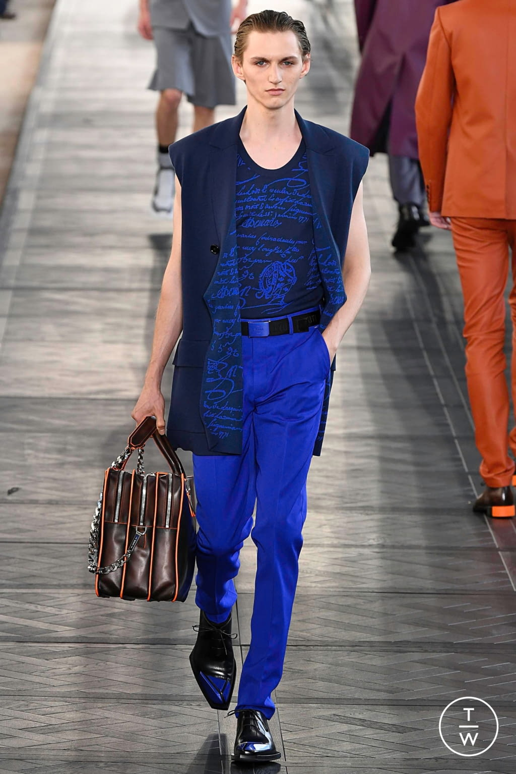 Fashion Week Paris Spring/Summer 2020 look 40 from the Berluti collection menswear