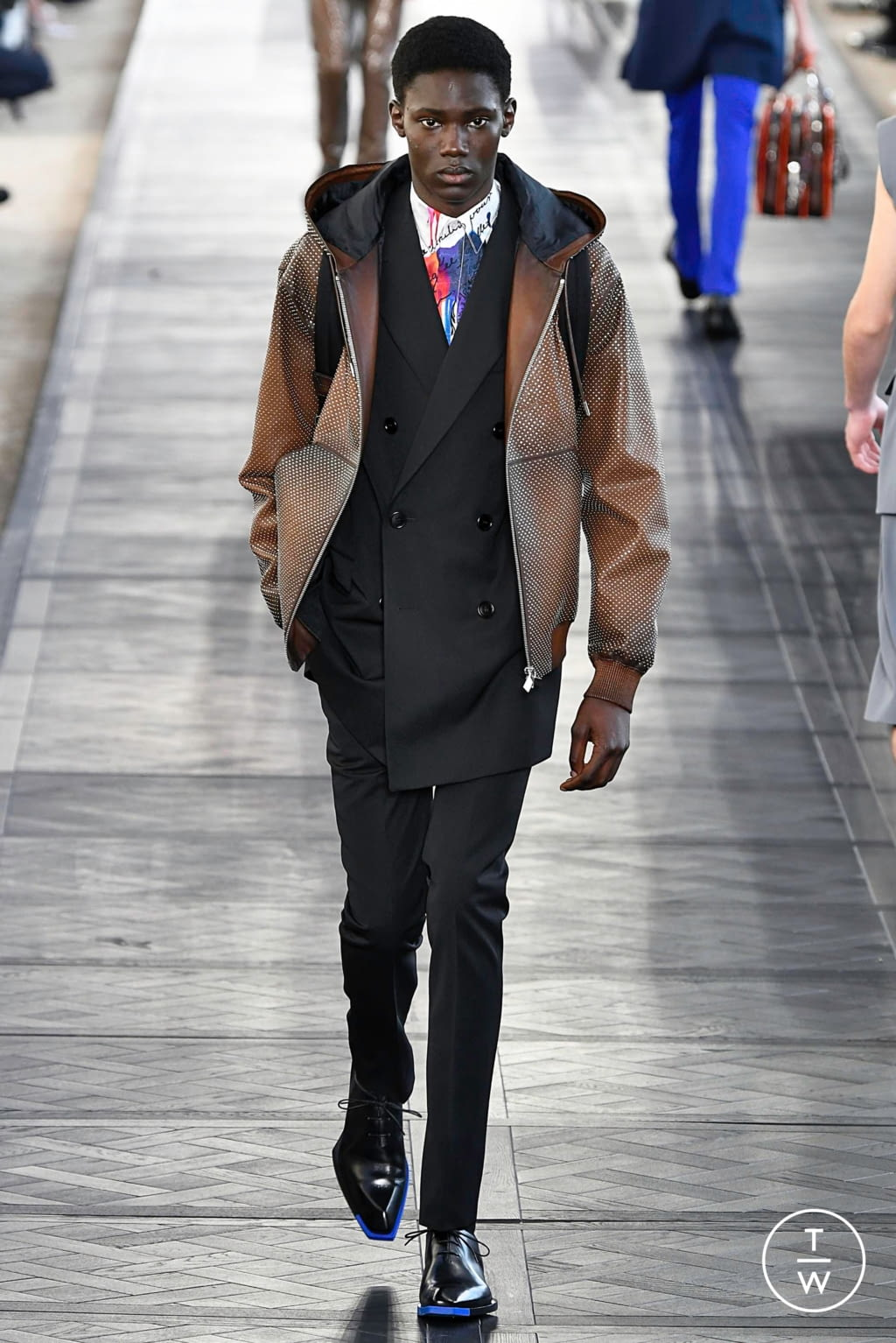 Fashion Week Paris Spring/Summer 2020 look 42 from the Berluti collection 男装