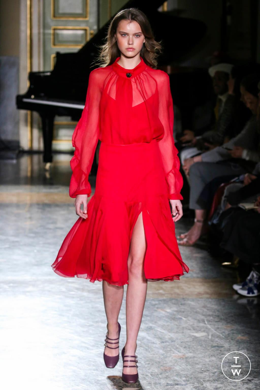 Fashion Week Milan Fall/Winter 2017 look 33 from the Blumarine collection womenswear