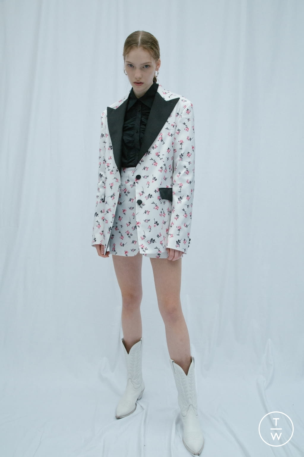 Fashion Week Milan Resort 2020 look 1 from the Brognano collection 女装