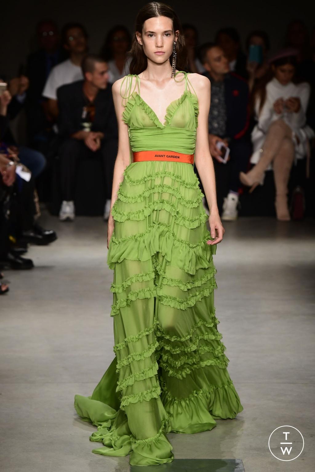 Fashion Week Milan Spring/Summer 2018 look 17 de la collection Brognano womenswear
