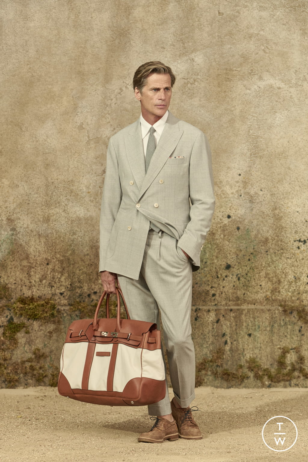 Fashion Week Milan Spring/Summer 2022 look 1 from the Brunello Cucinelli collection menswear