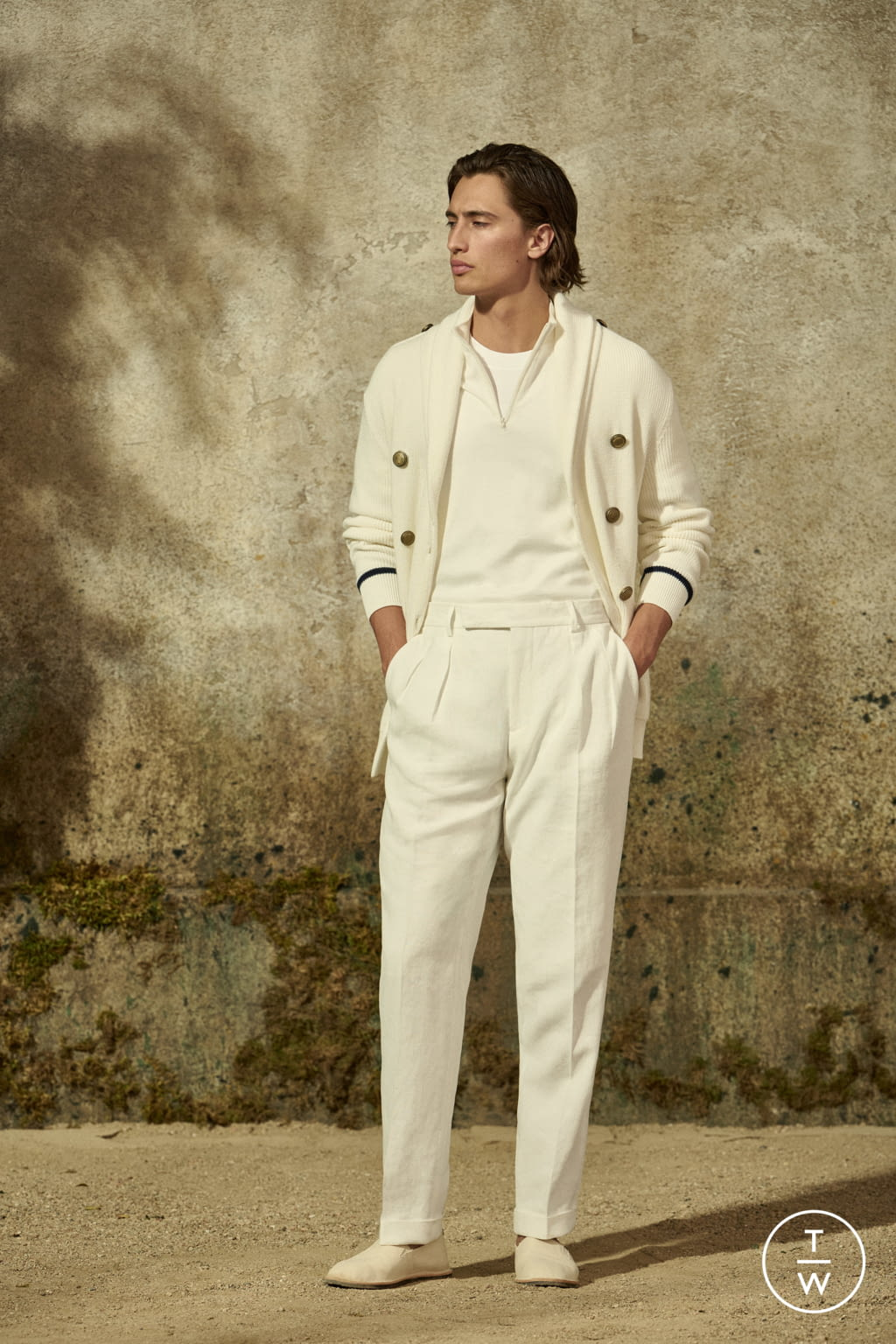 Fashion Week Milan Spring/Summer 2022 look 2 from the Brunello Cucinelli collection menswear